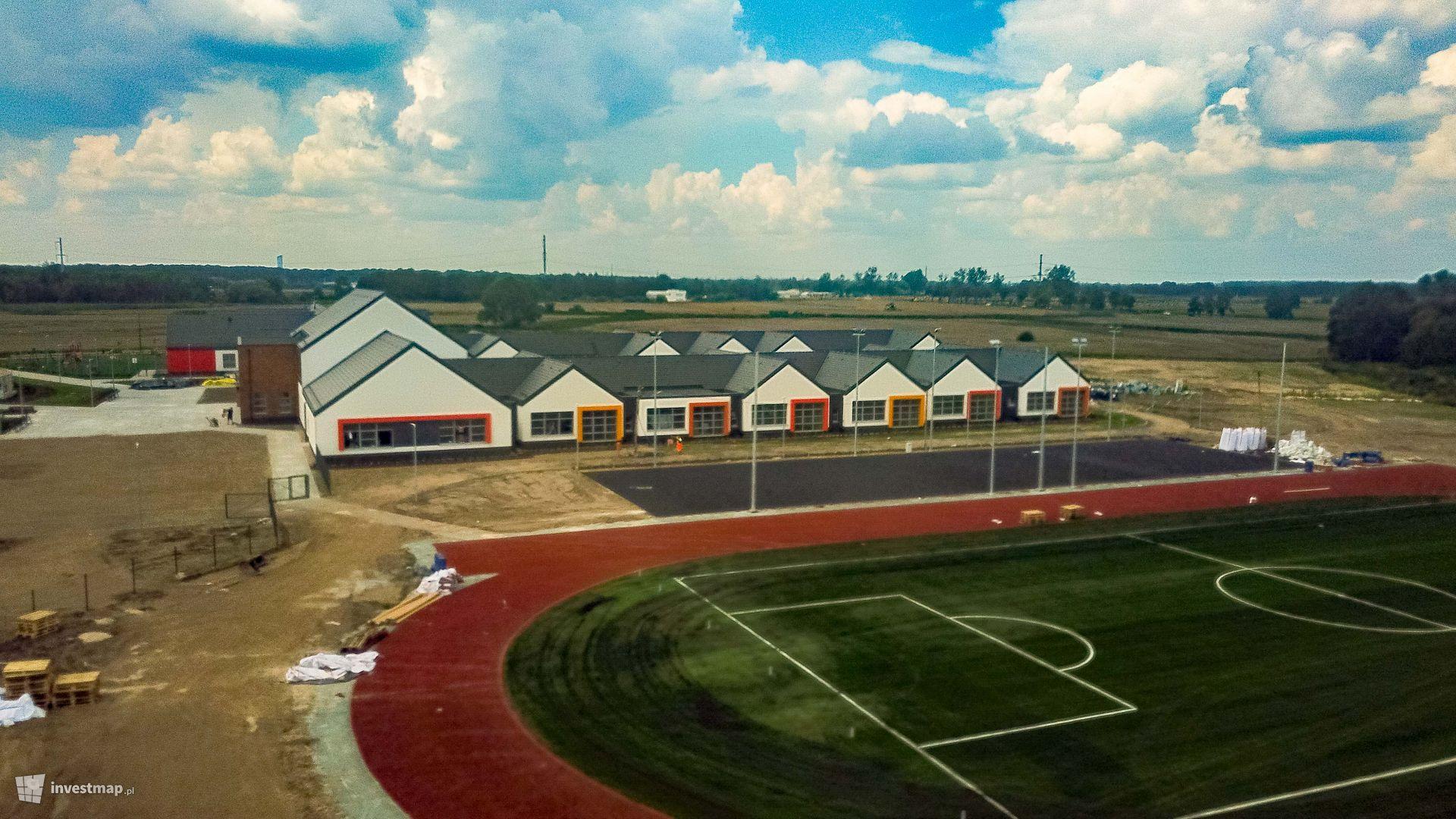 Zespół Szkolno-Przedszkolny w Dobrzykowicach