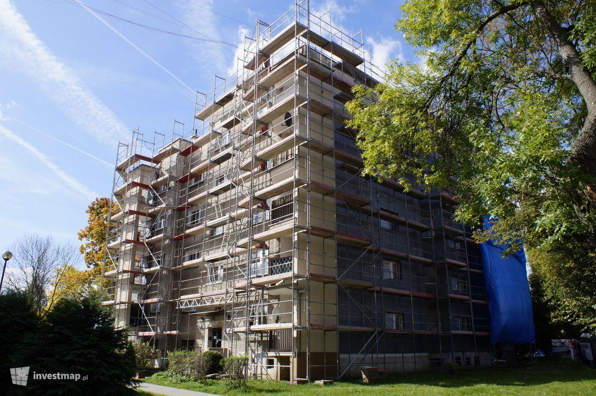 Zdjęcie Budynek Mieszkalny, ul. Gustawa Morcinka 17 fot. Damian Daraż