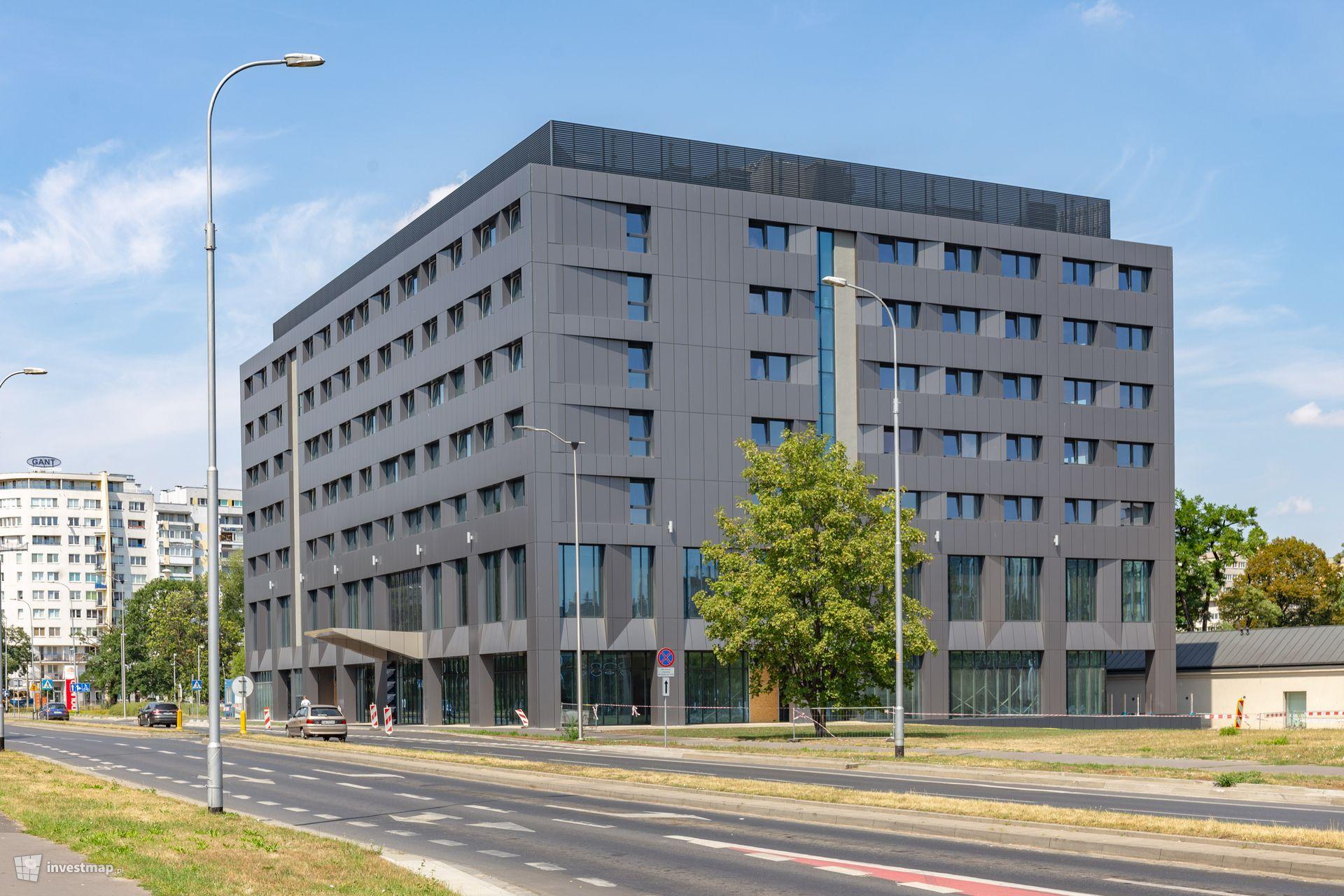 Hotel (4*), ul. Strzegomska