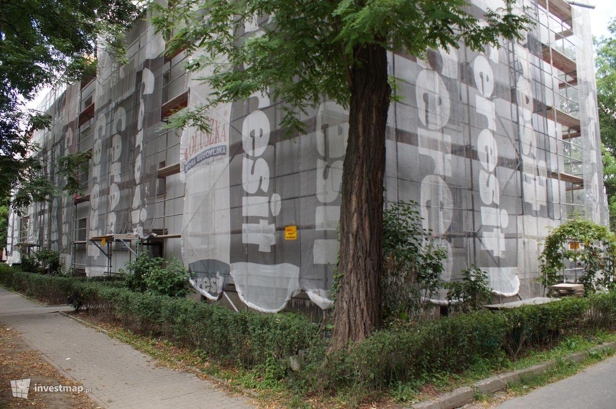 Zdjęcie Budynek Mieszkalny, Os. Na Skarpie 37 fot. Damian Daraż