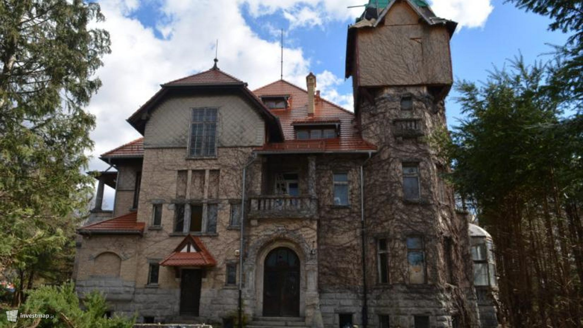 Renowacja zabytkowego zespołu pałacowo-parkowego, al. Jana Pawła II 18