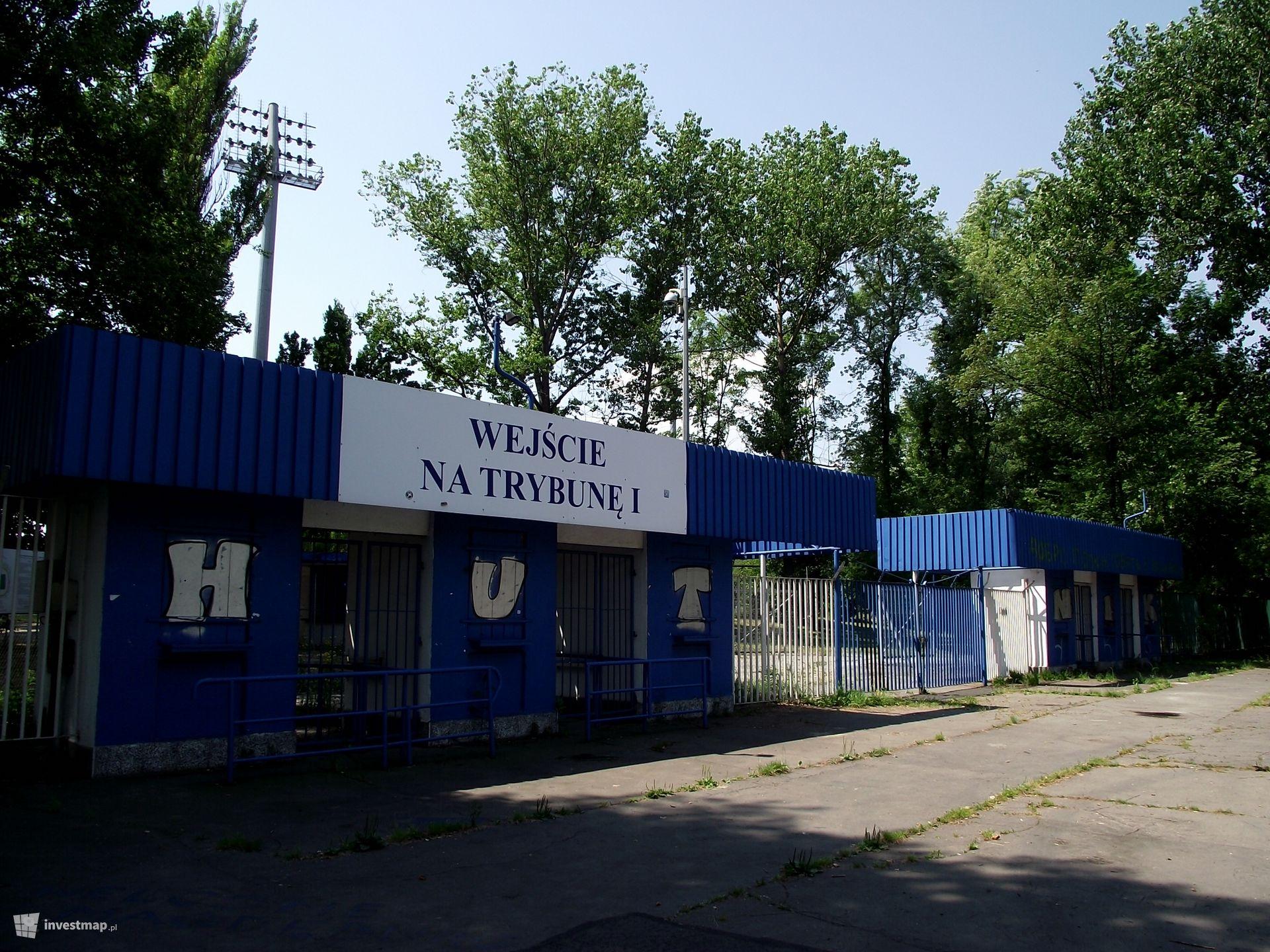 Stadion Piłkarski   KS.  H U T N I K