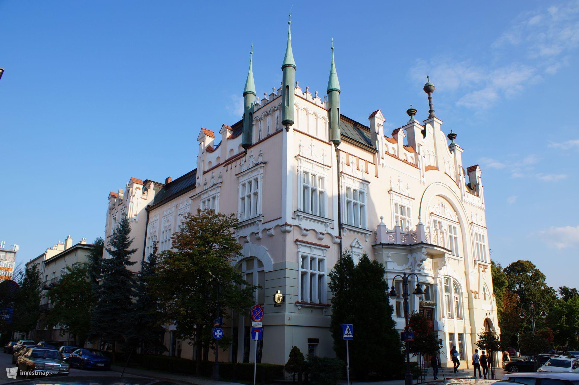 Pałac, ul. 3 Maja