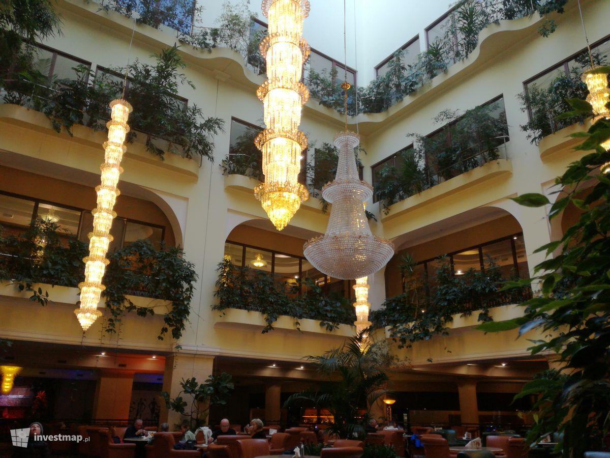 Zdjęcie Hotel Gołębiewski fot. Jan Augustynowski