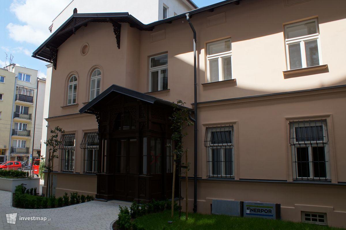 Zdjęcie Budynek Mieszkalno - Usługowy, ul. Rakowicka 15 fot. Damian Daraż