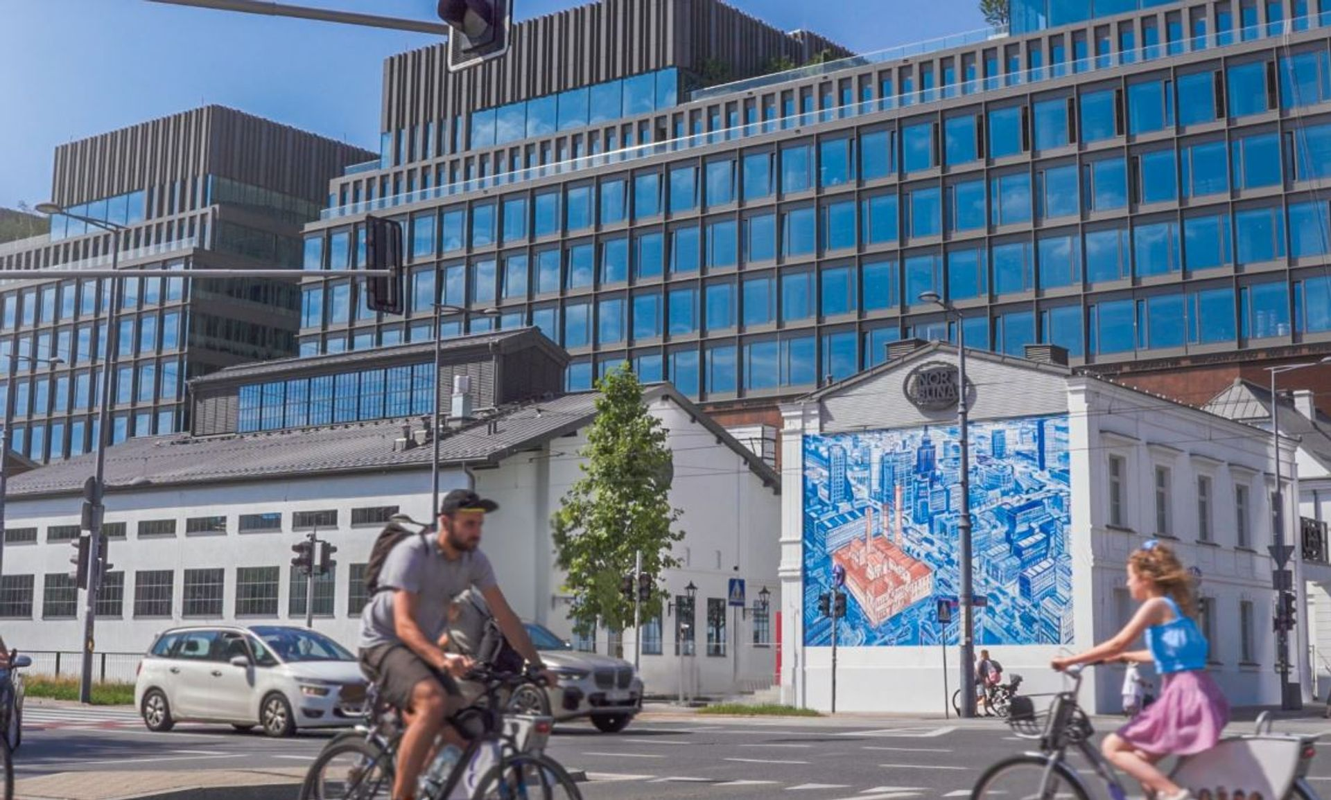Fabryka Norblina w Warszawie z pozwoleniem na użytkowanie [FILM]