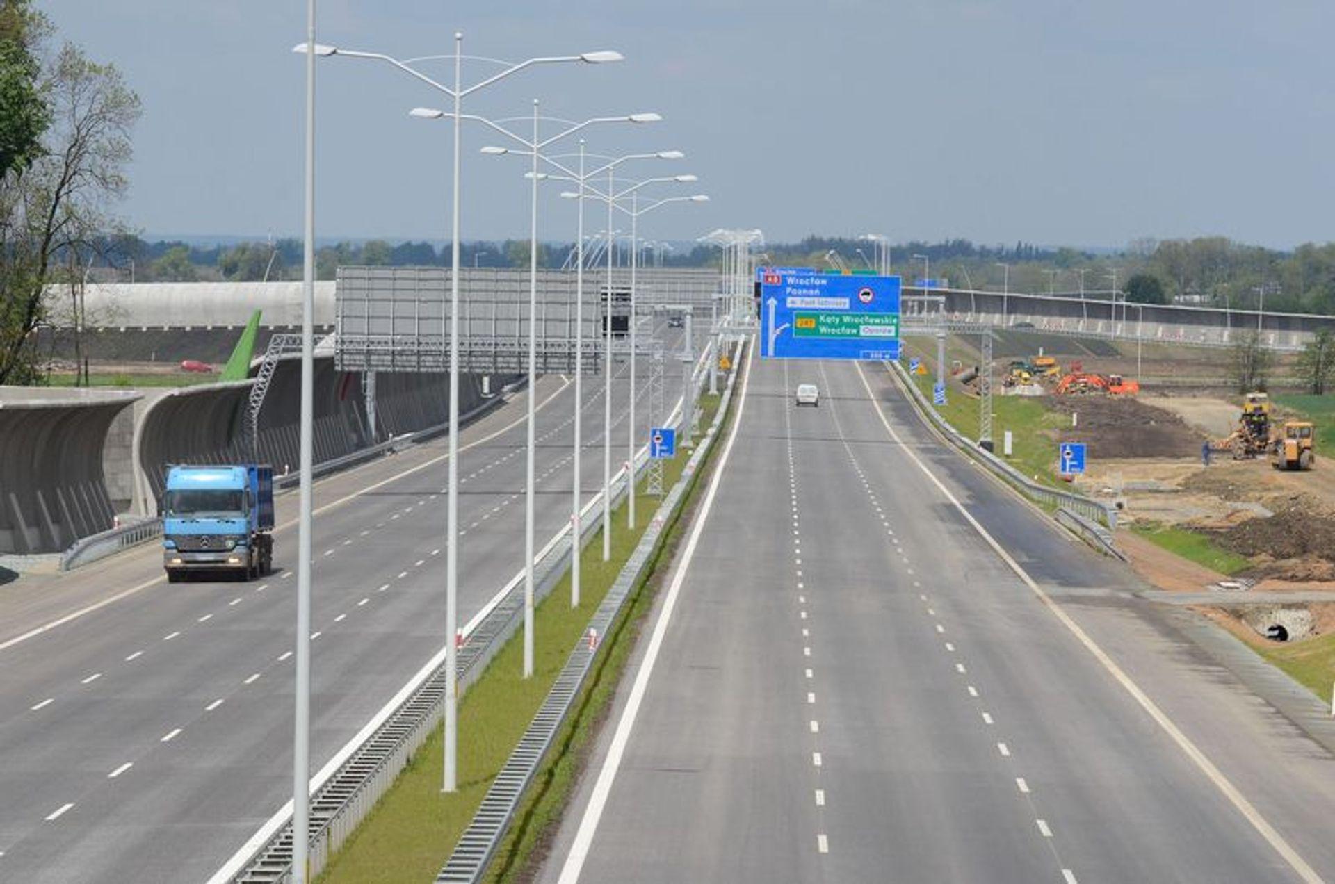 [Wrocław] Rok po otwarciu już trzeba naprawiać Autostradową Obwodnicę Wrocławia