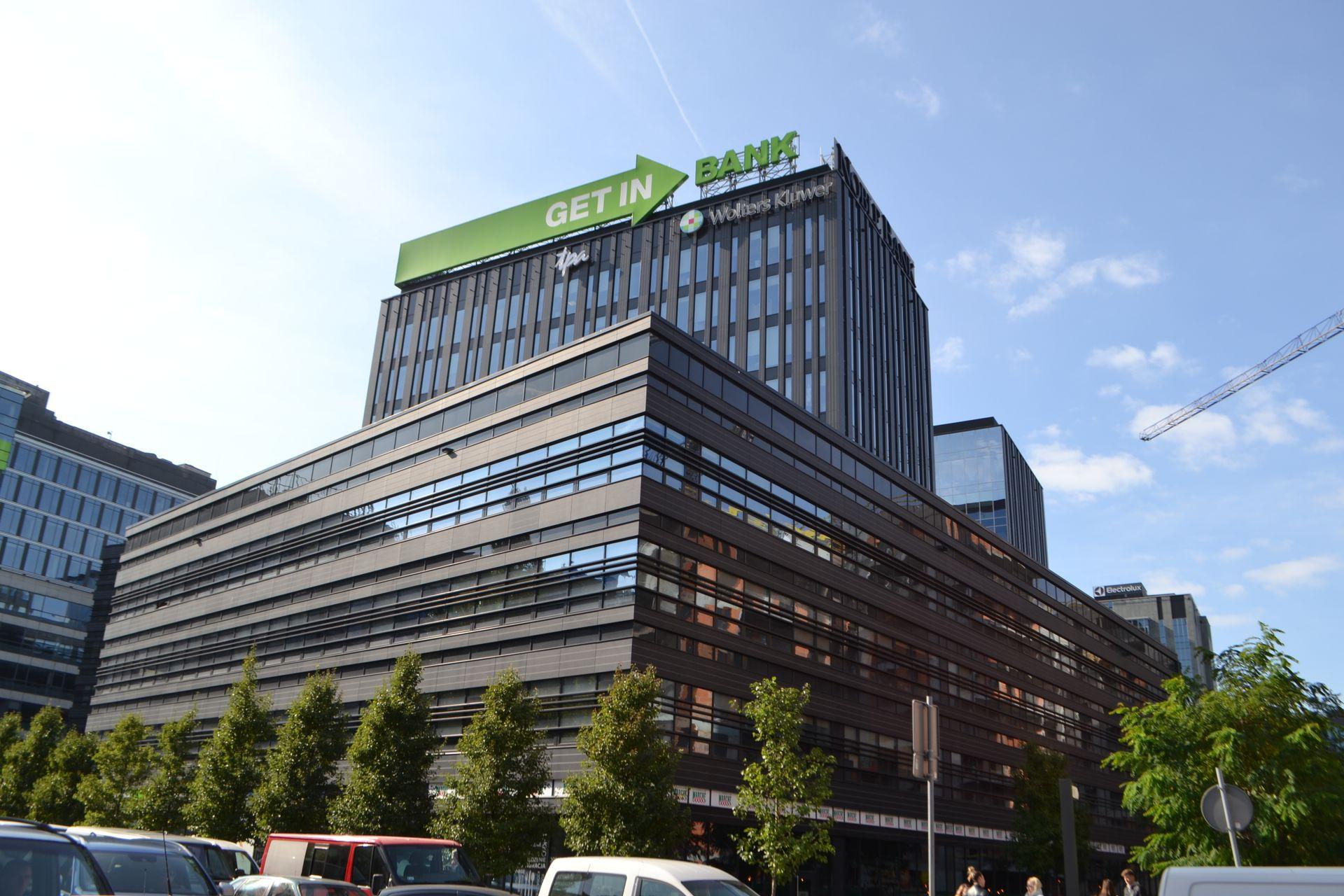 [Warszawa] Develia sprzedała biurowiec Wola Center w Warszawie