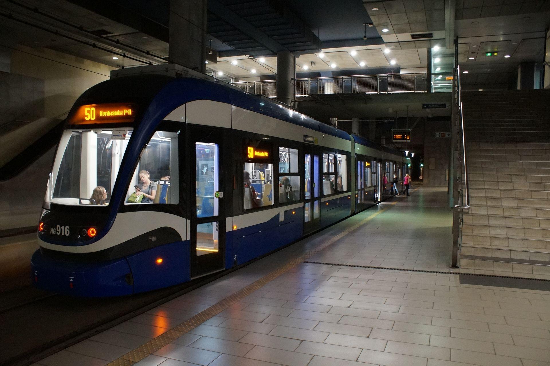 Kraków: Tunel pod Dworcem Głównym ponownie nieprzejezdny