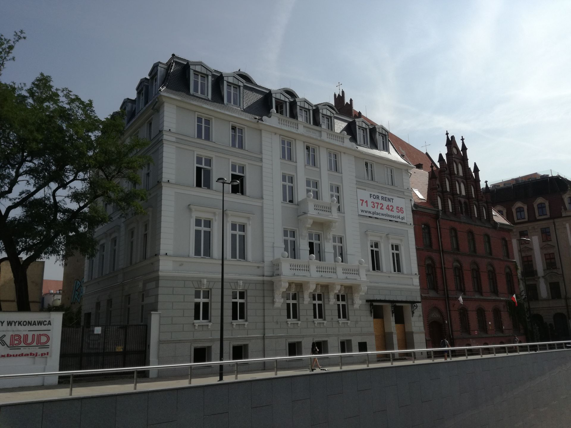 [Wrocław] Hotele, biurowce i mieszkania. Wokół placu Wolności zaroiło się od inwestycji
