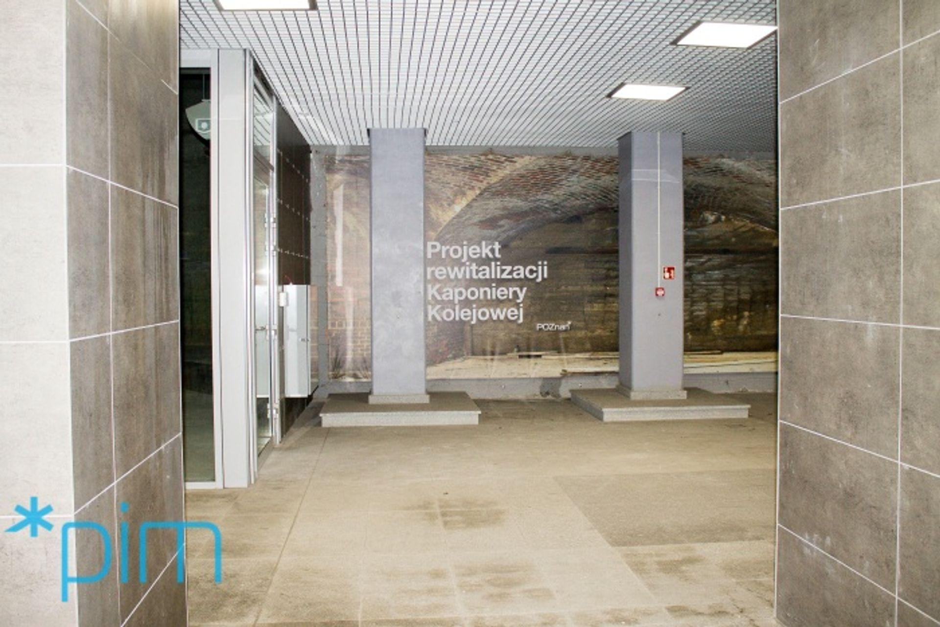 [Poznań] Rozpoczęto rewitalizację Kaponiery Kolejowej