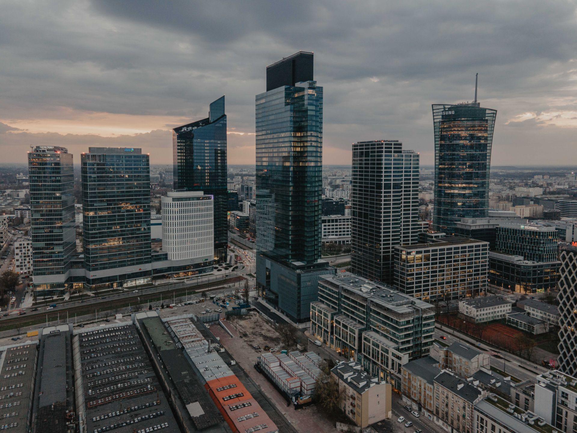 Rynek powierzchni biurowych w Warszawie w II kw. 2021 roku