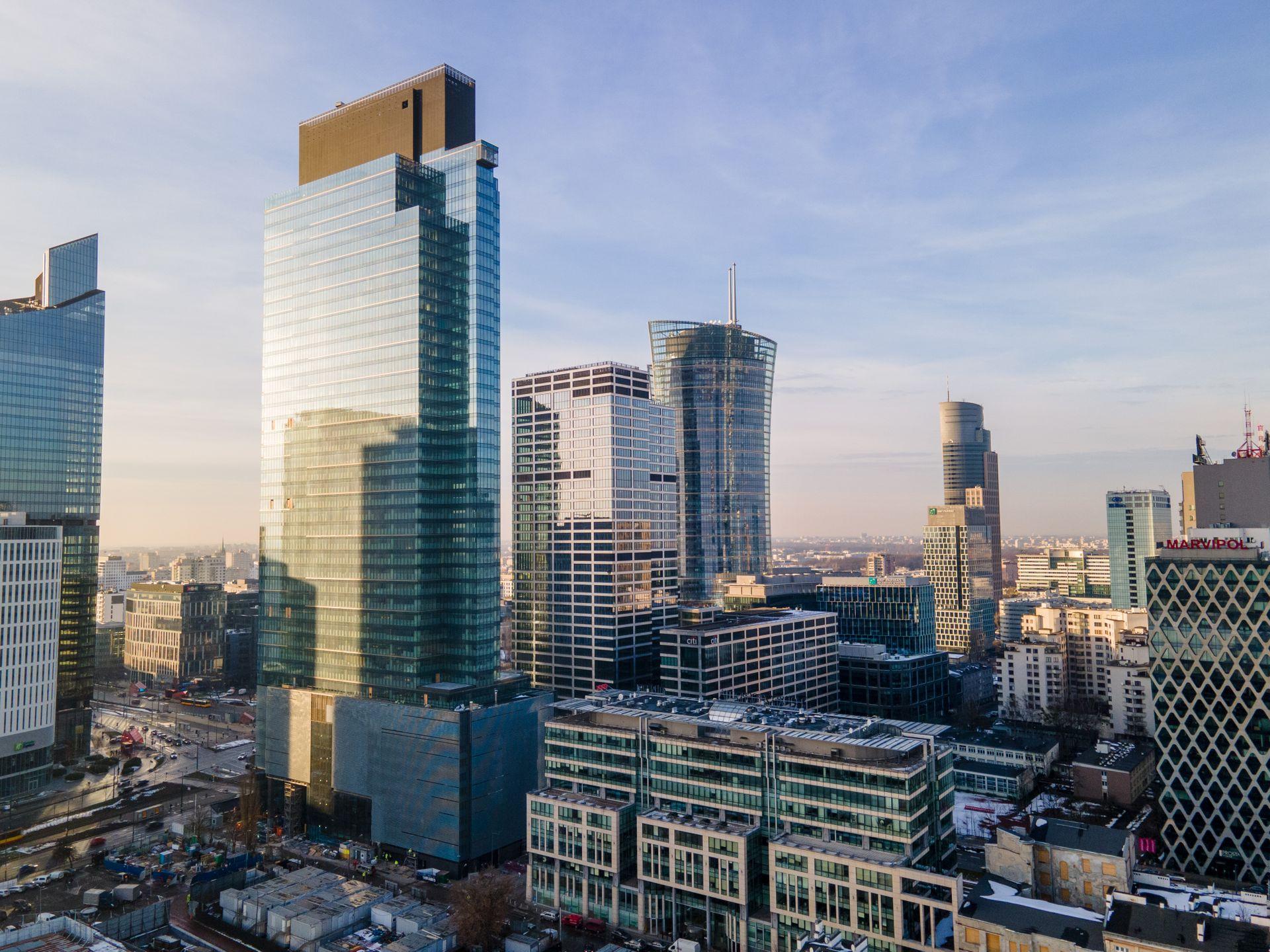 W Warszawie powstaje 202-metrowy biurowiec Warsaw Unit [FILM]