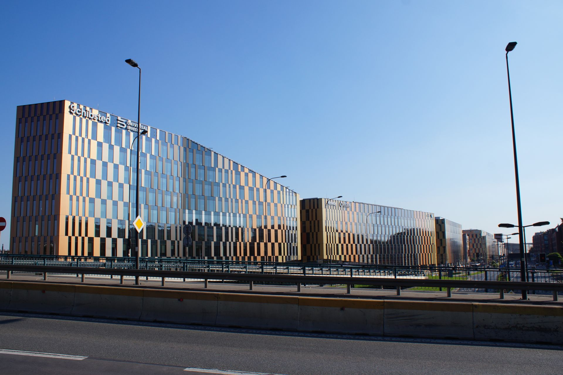 W Krakowie dobiega końca budowa ostatniego etapu kompleksu biurowego High5ive