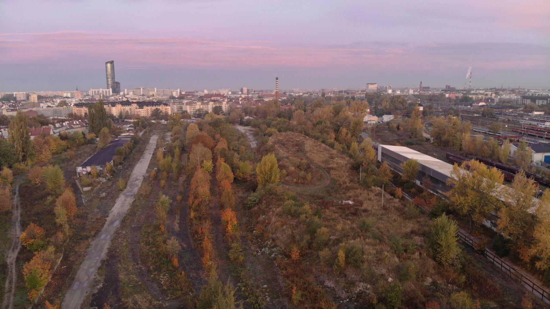 Wrocław: W miejscu zdegradowanych, kolejowych terenów na Tarnogaju powstanie nowy Park Henrykowski