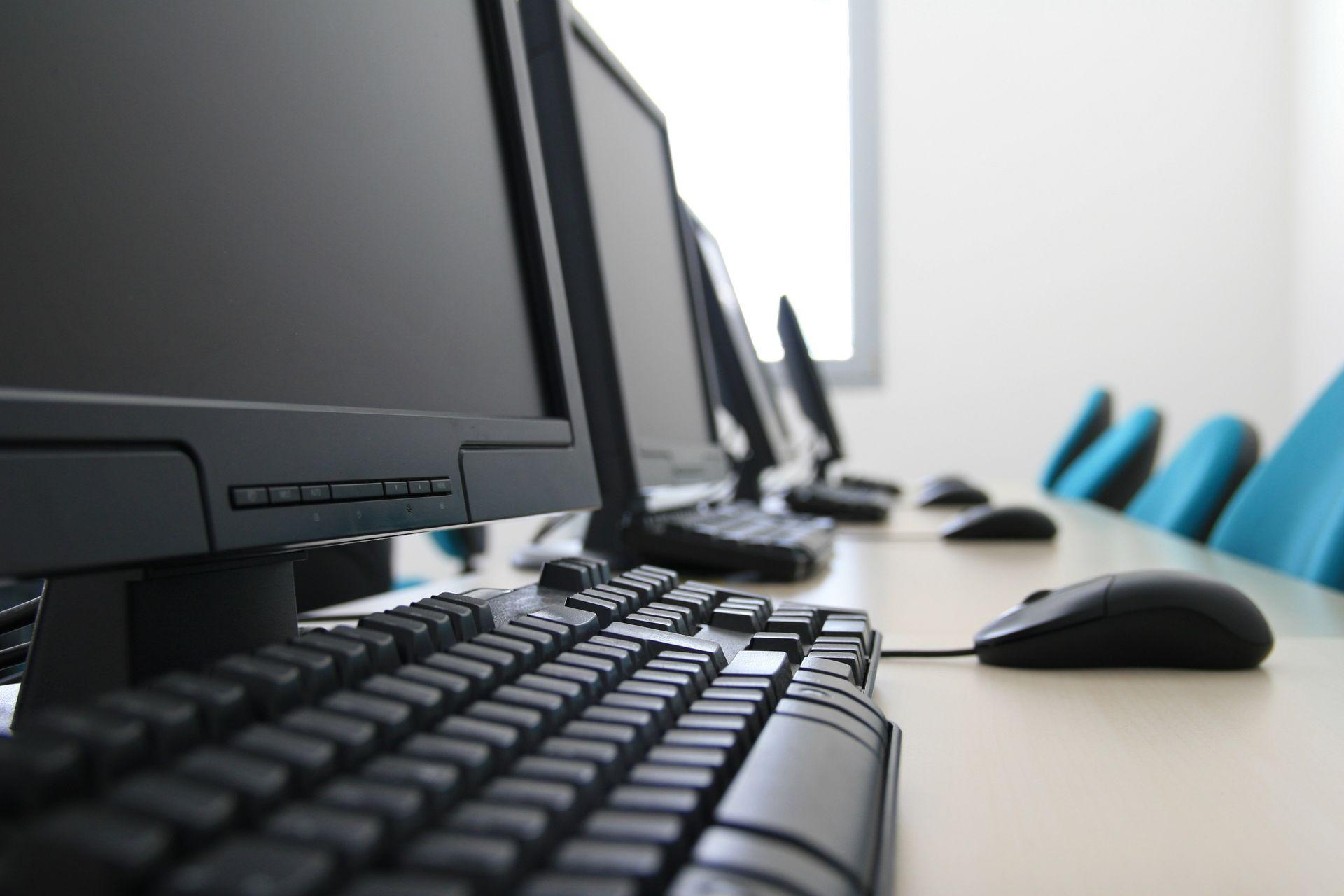 [Wrocław] Magistrat wyda prawie 2 mln złotych na szerokopasmowy internet w szkołach