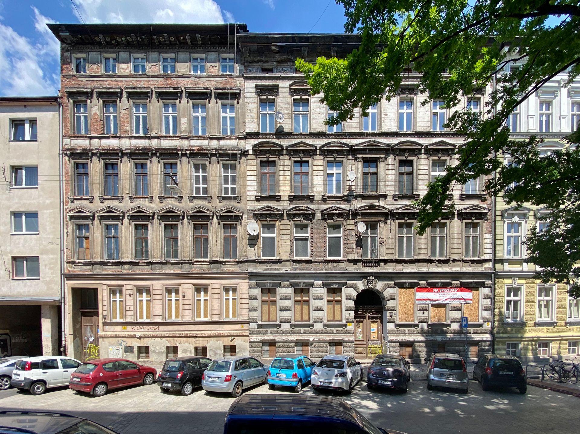 Miasto sprzedało za miliony dwie kolejne zabytkowe, przedwojenne kamienice w centrum