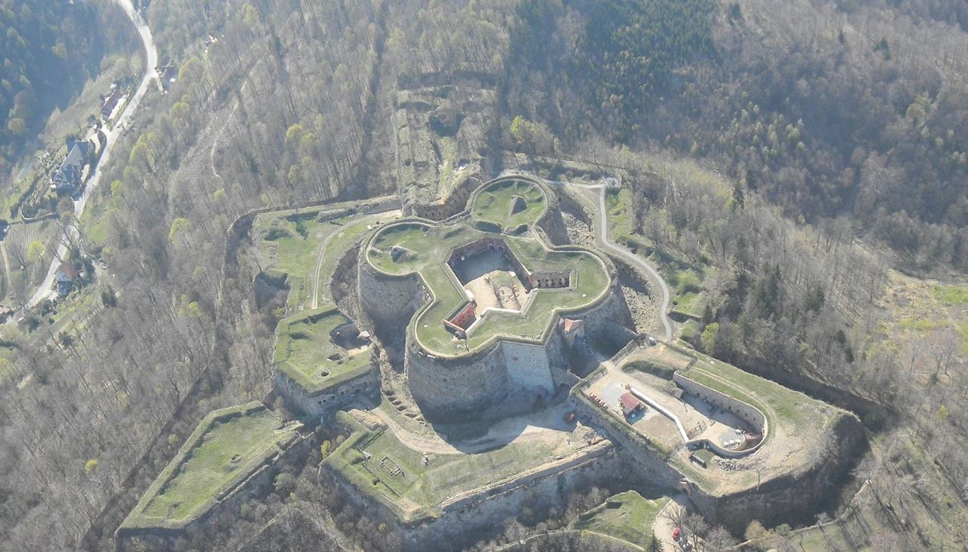 Dolny Śląsk: Ruszył wielki remont zabytkowej Twierdzy Srebrna Góra