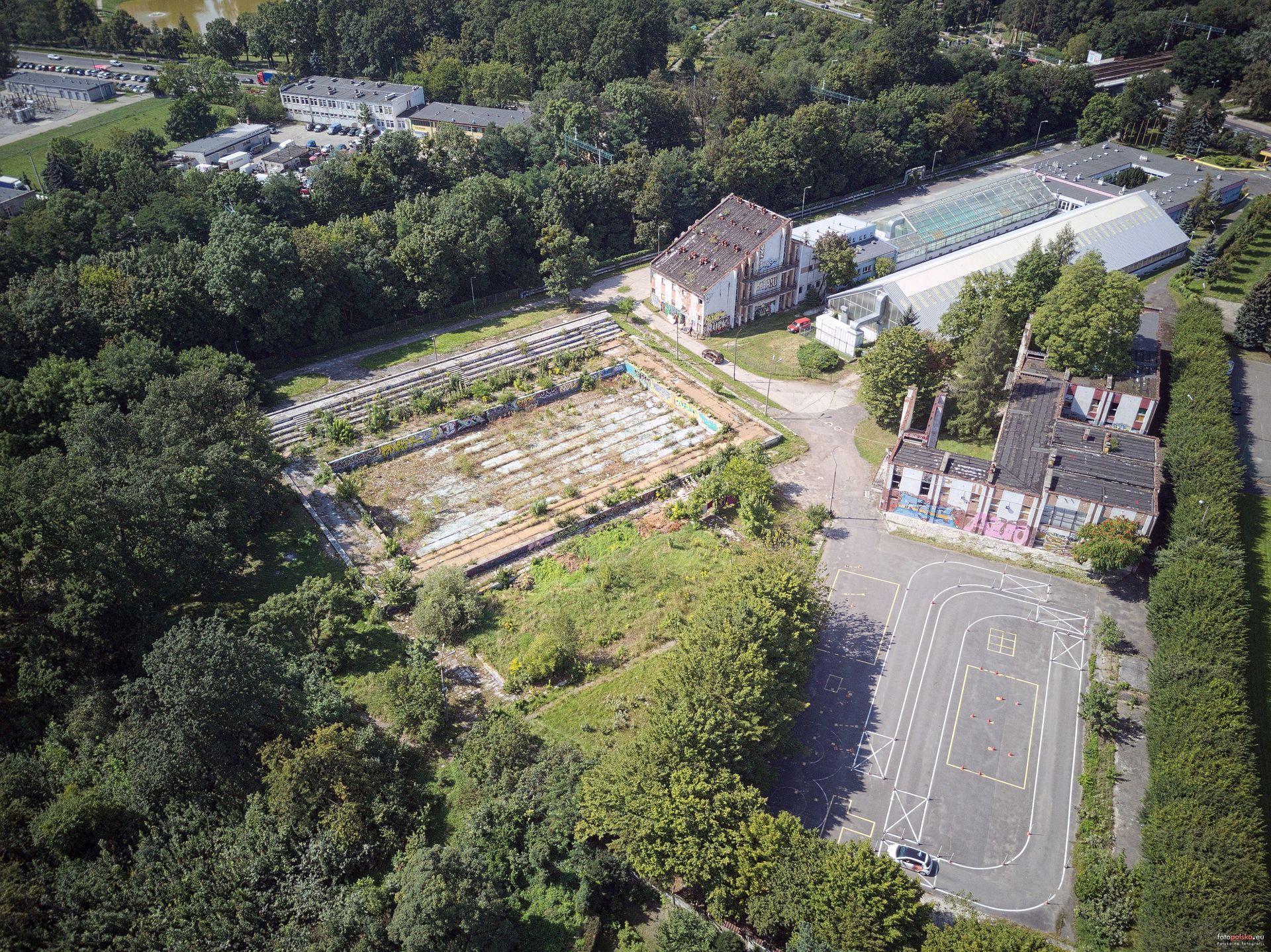 Wrocław: Miasto dopłaca miliony do budowy hali sportowej w miejsce dawnych basenów