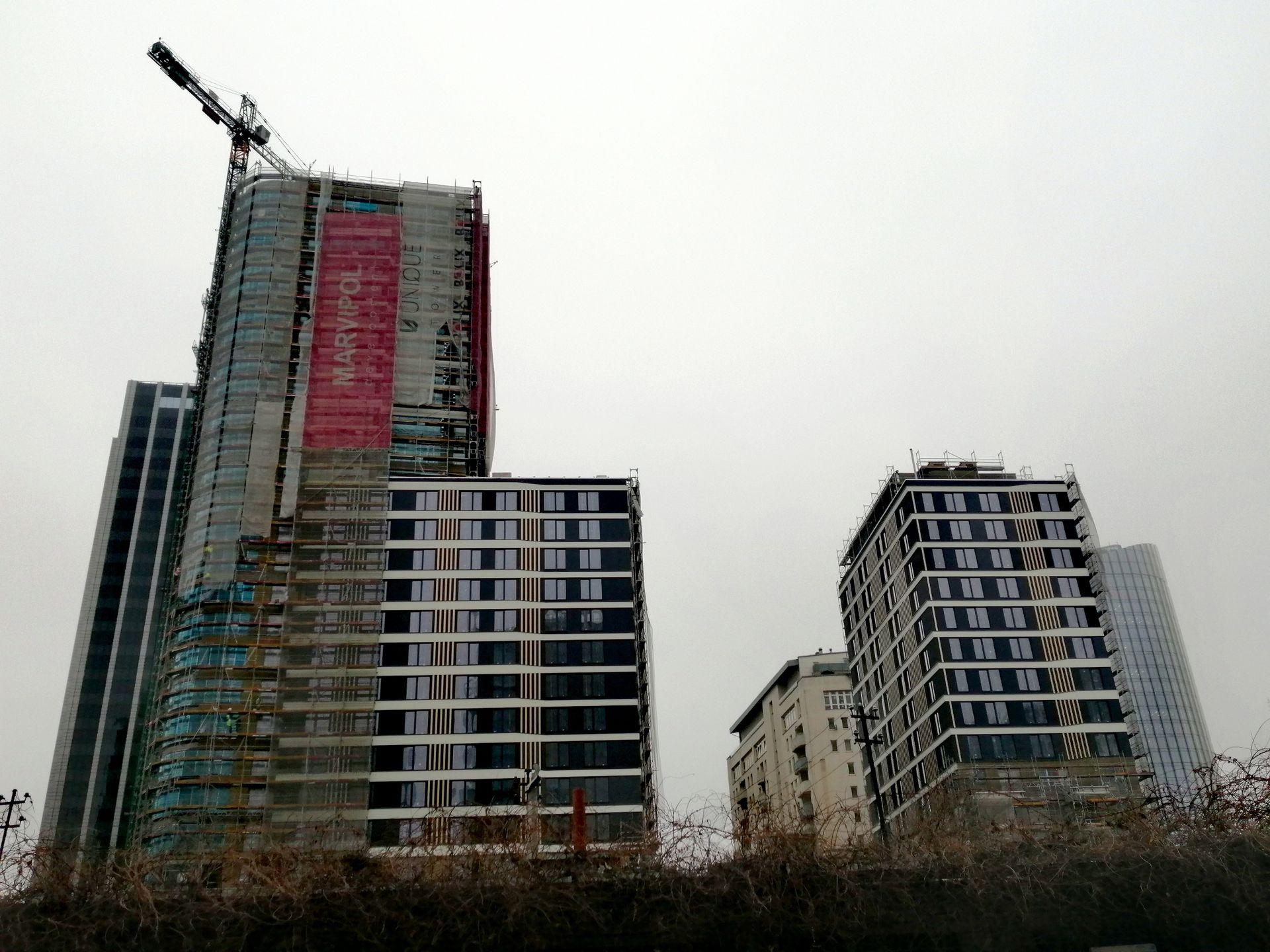 Przy ulicy Grzybowskiej w Warszawie powstaje wieżowiec Unique Tower