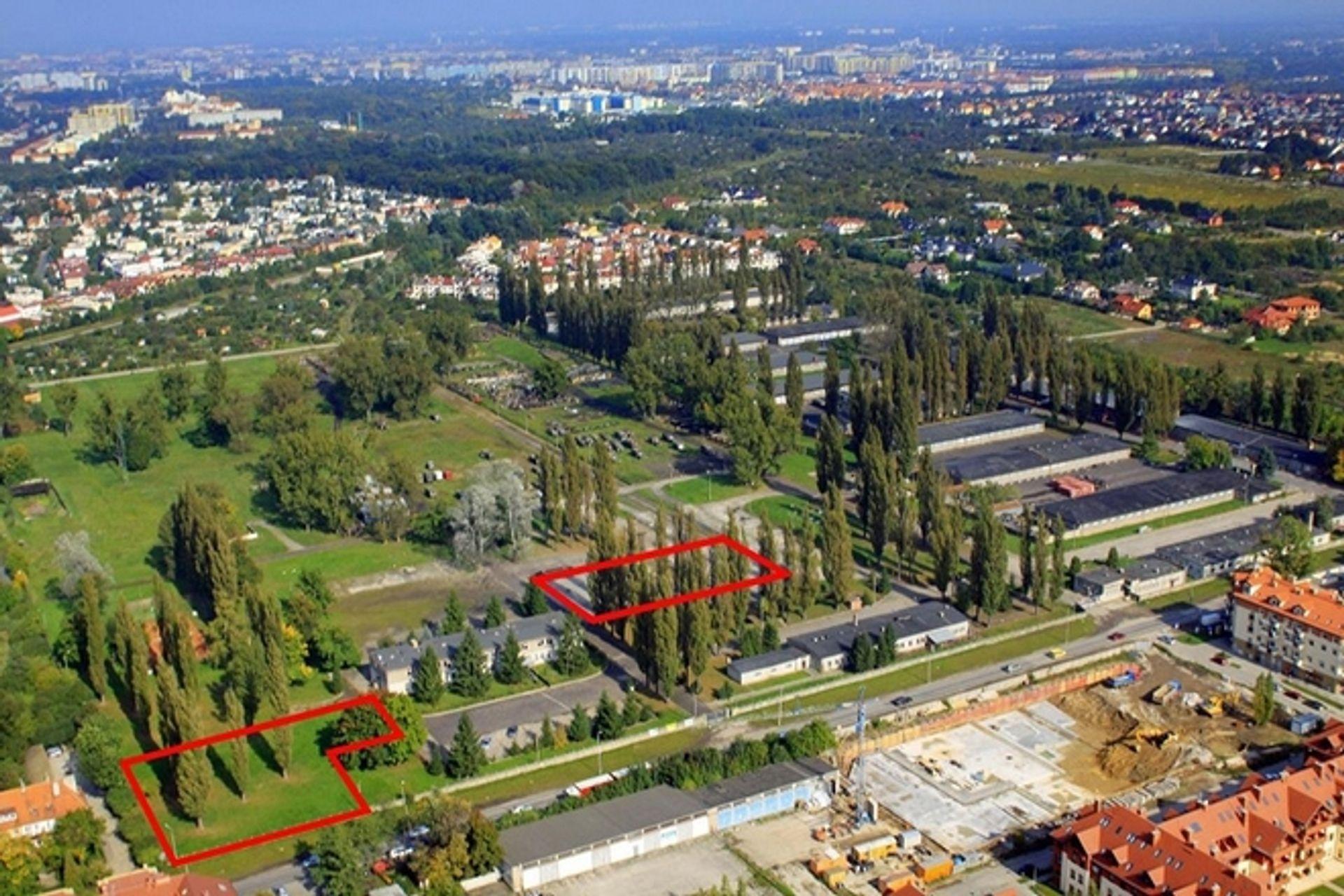 [Wrocław] Mieszkania czy parki - trwa spór o przyszłość wojskowych terenów na Zwycięskiej