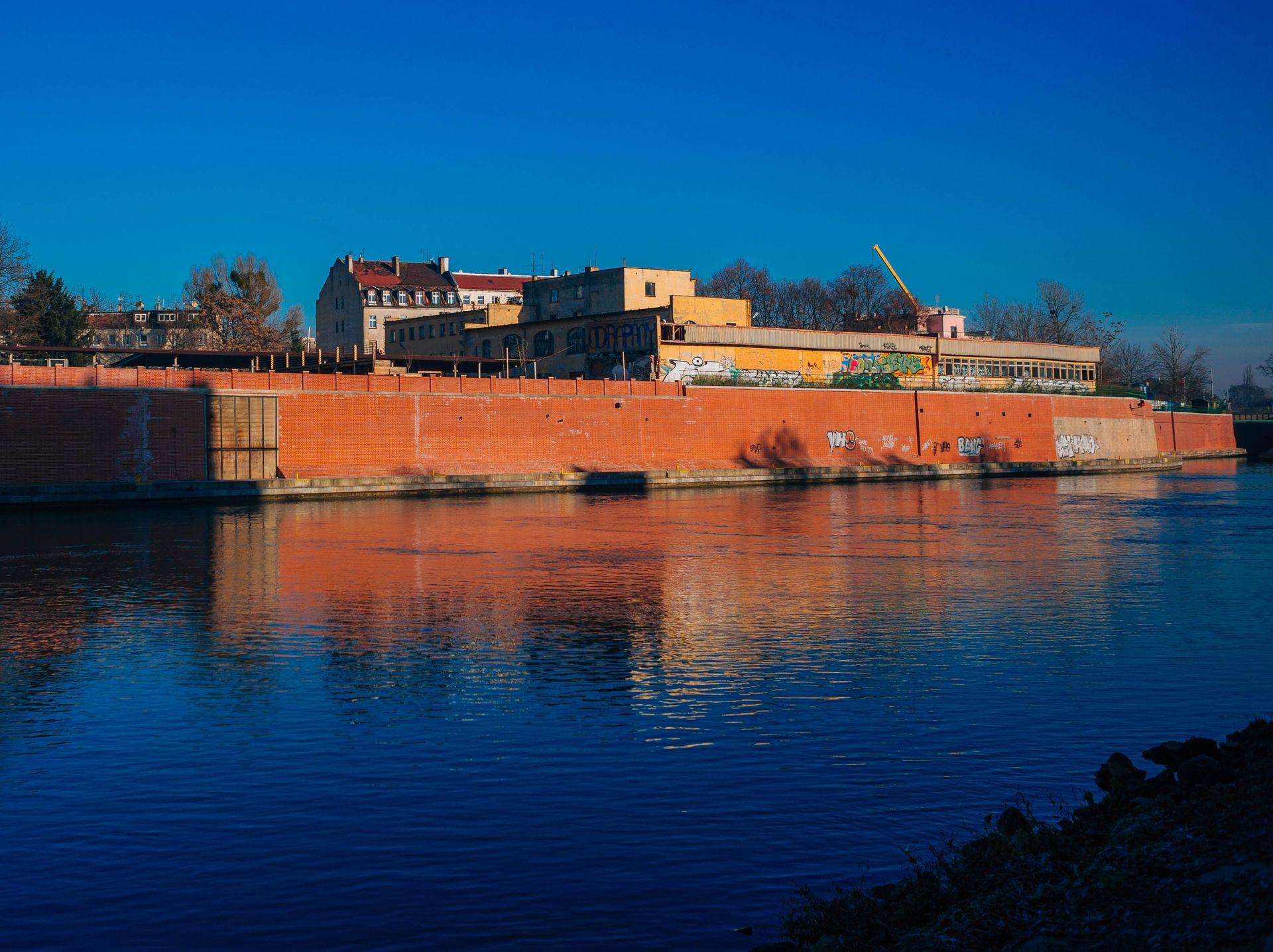[Wrocław] Jest wniosek o rozbiórkę dawnych koszar. O działkę będą walczyć deweloperzy