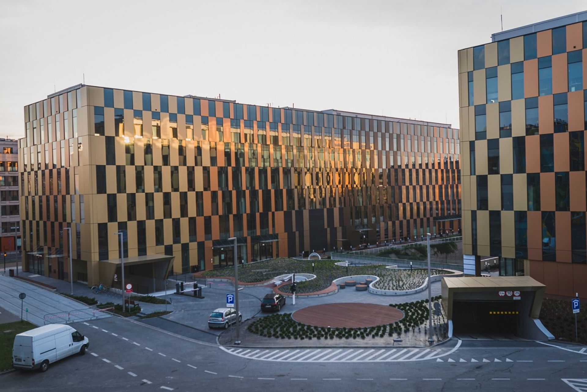 [Kraków] Globalny pośrednik na rynku nieruchomości komercyjnych wynajął biuro w High5ive w Krakowie