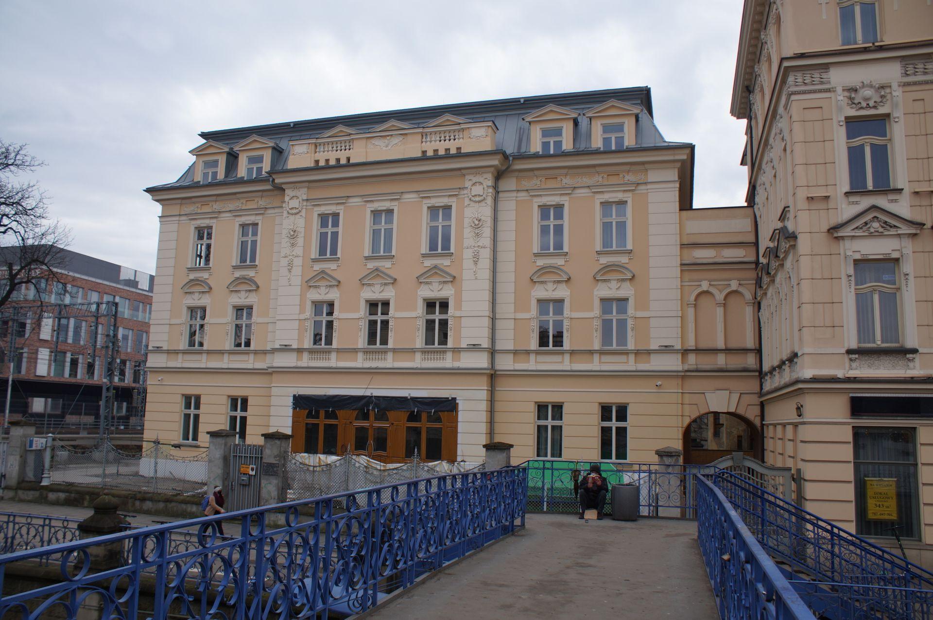 Przy Dworcu Głównym w Krakowie otwarto nowy 3-gwiazdkowy Sky Hotel