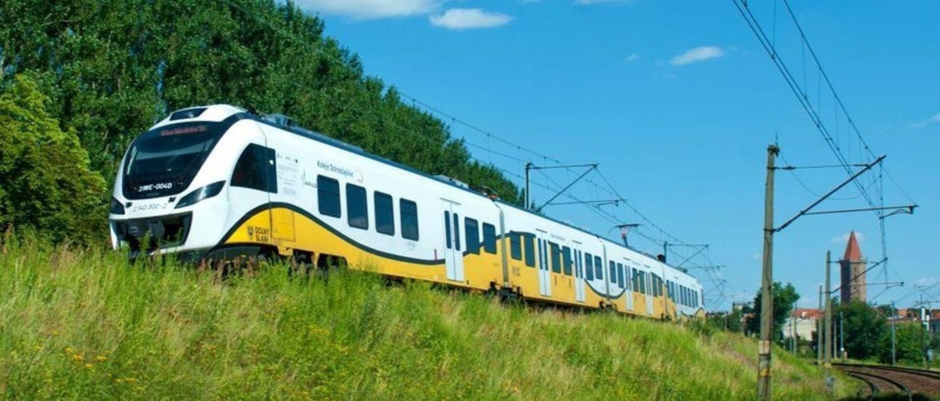 Dodatkowe miliony przynoszą efekt. PKP rozstrzygają przetarg na remont odcinka Wrocław – Świdnica