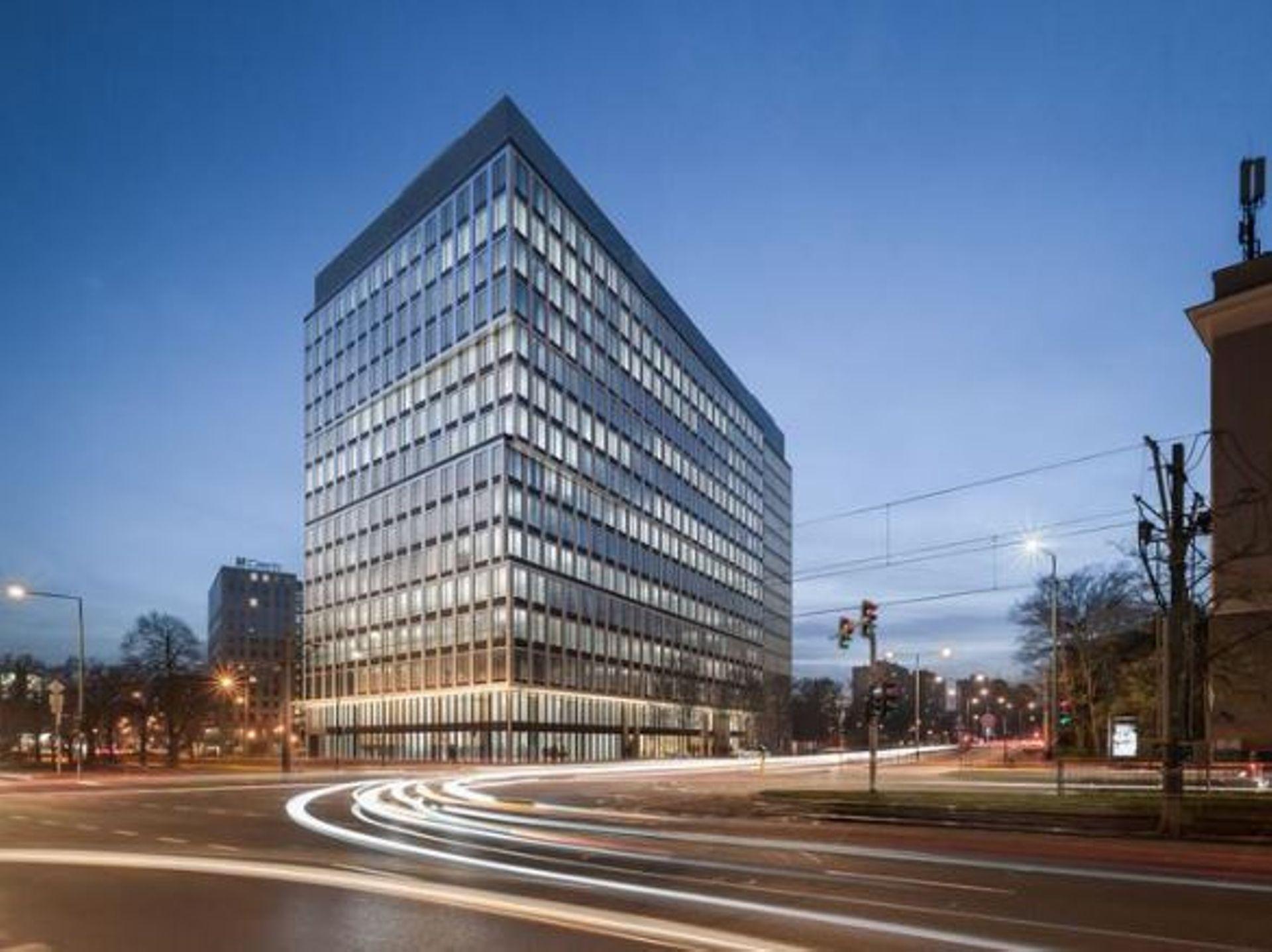 W Warszawie powstaje nowy biurowiec P180 [FILM]