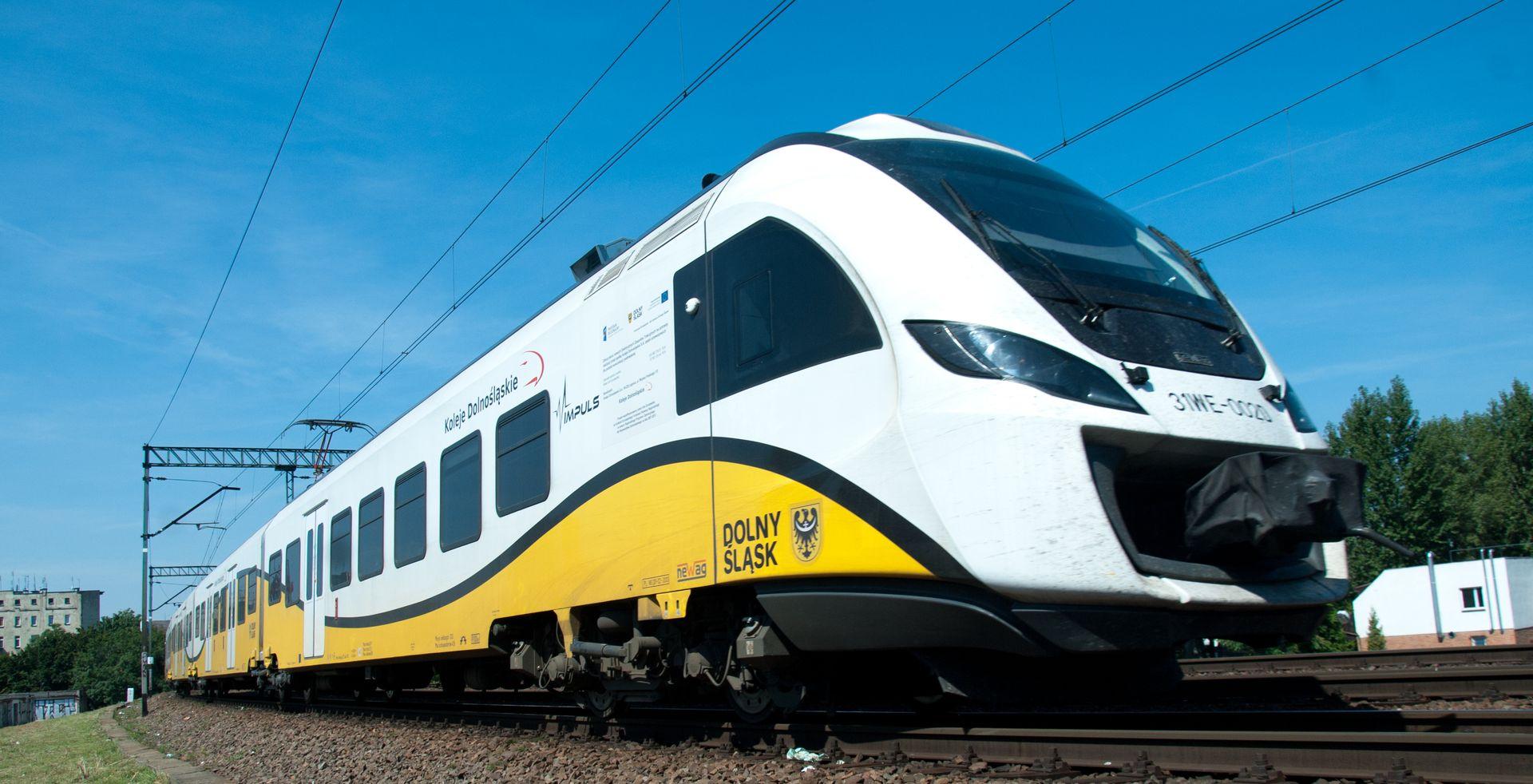 [Dolny Śląsk] Pociągiem do Jelcza i Sobótki.  Trwają prace nad koleją aglomeracyjną