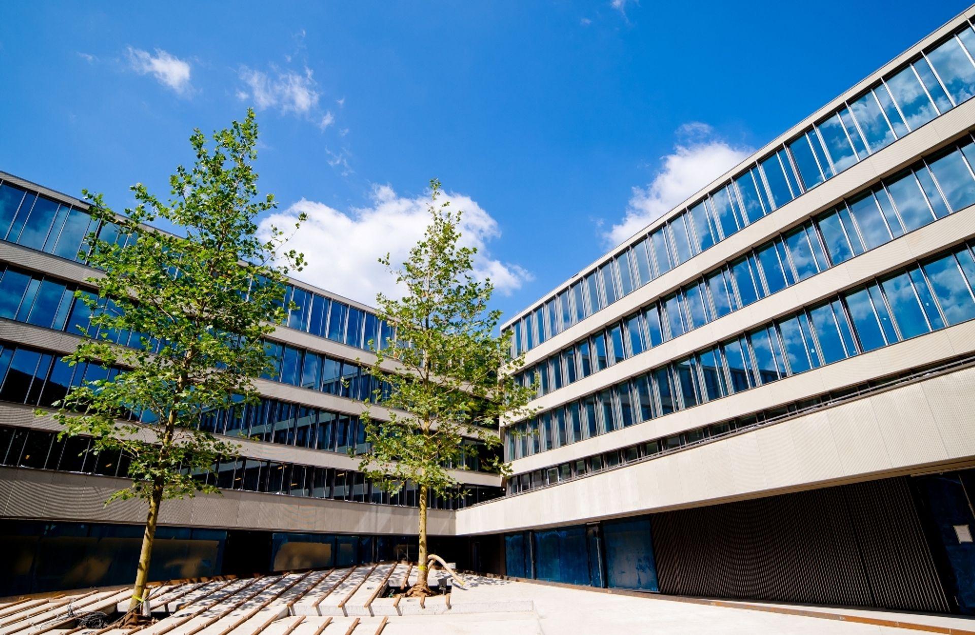 Wartość transakcji inwestycyjnych zrealizowanych na rynku nieruchomości komercyjnych w Europie Środkowo-Wschodniej w I półroczu sięgnęła 2,55 mld euro