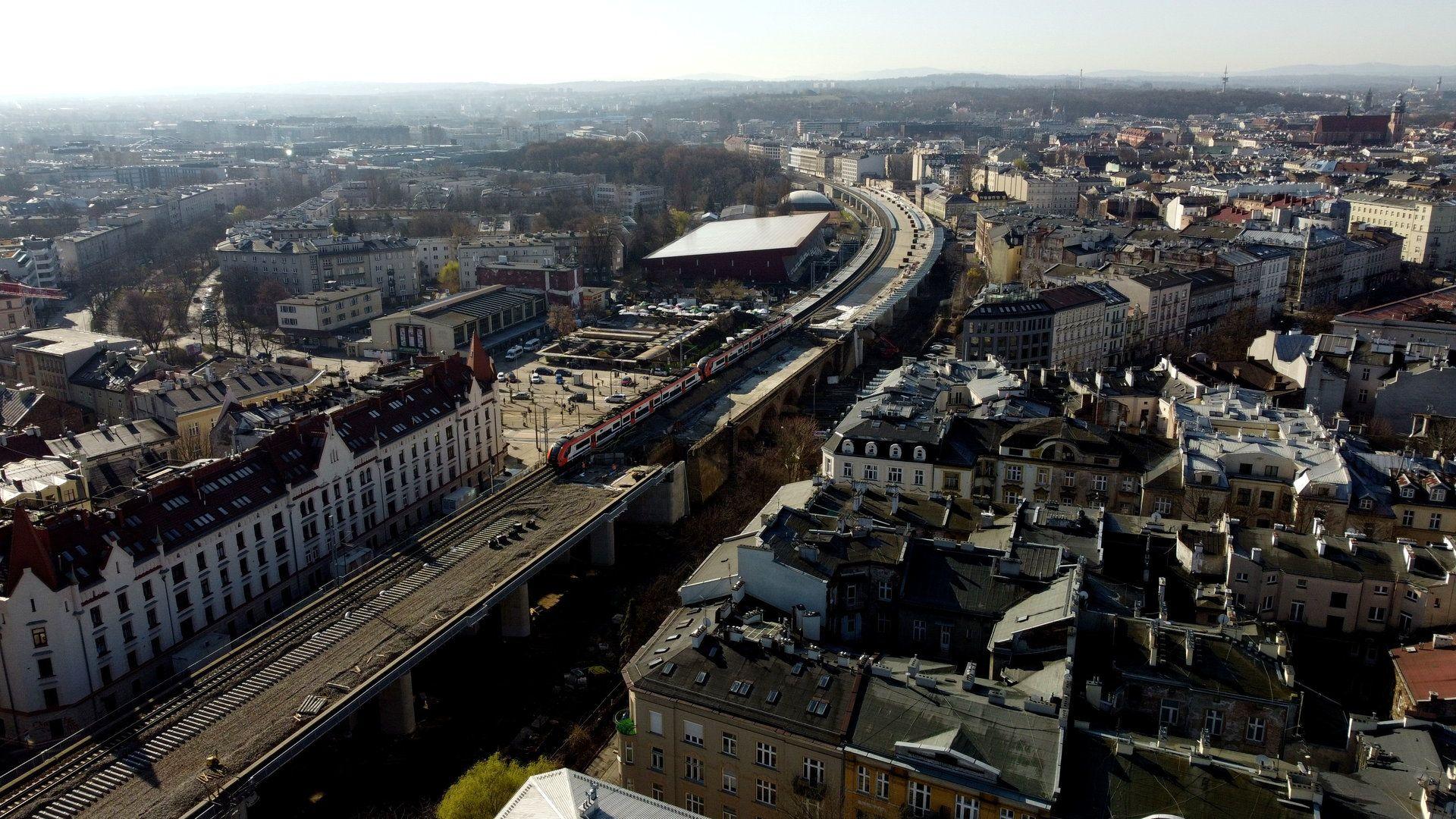 W Krakowie trwa budowa estakady kolejowej Szybkiej Kolei Aglomeracyjnej