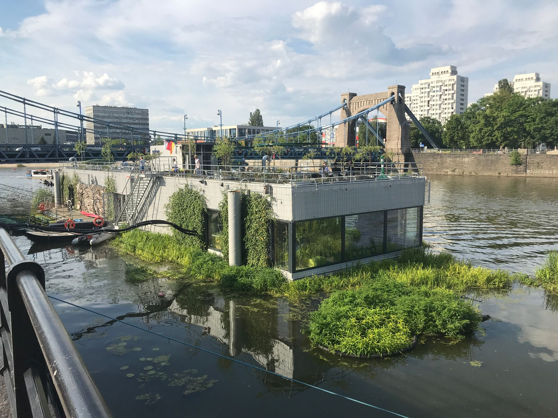 Przy moście Grunwaldzkim we Wrocławiu otwarto Odra Centrum – unikatowy projekt w skali Polski