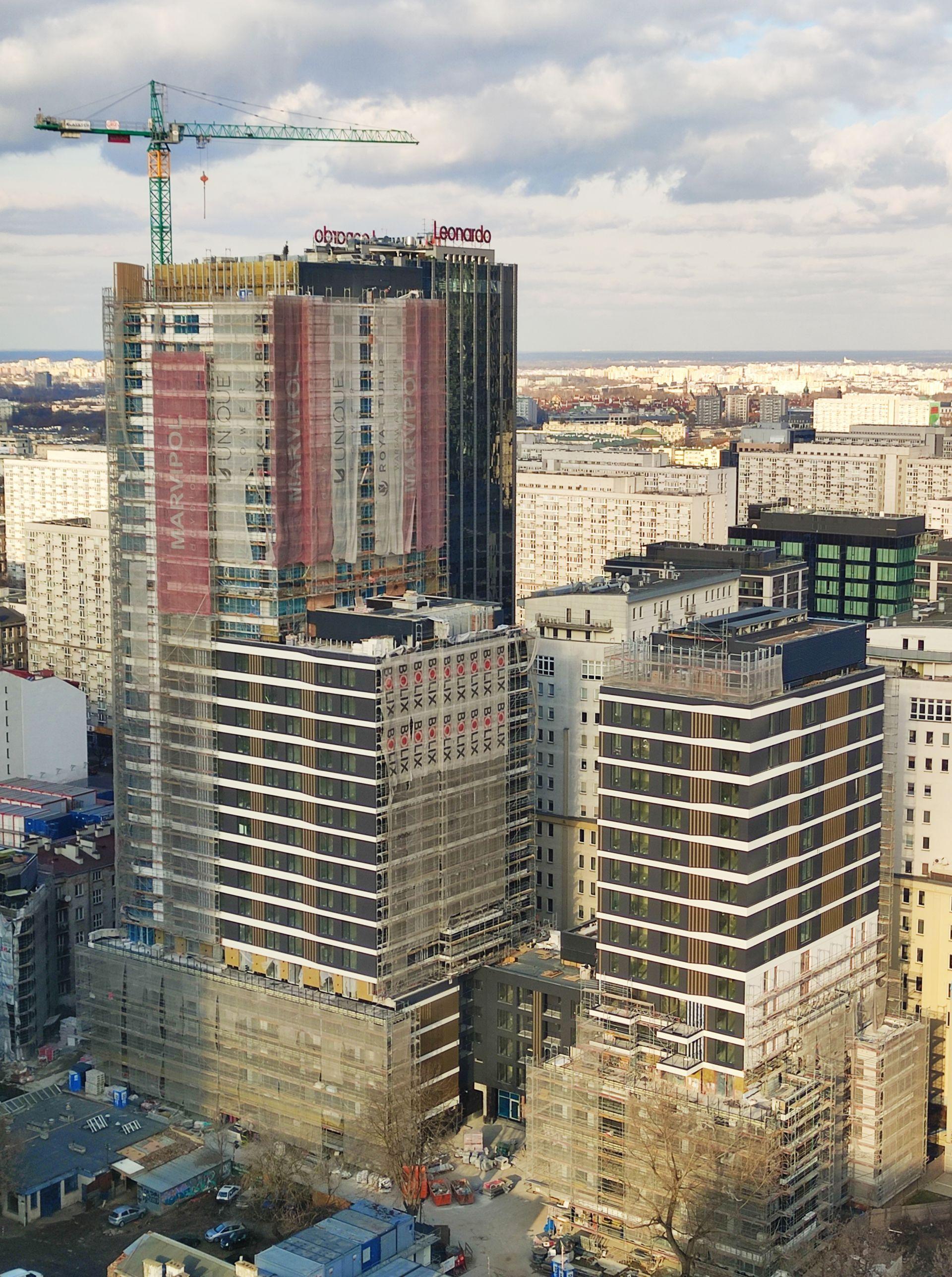Na warszawskiej Woli dobiega końca budowa wieżowca Unique Tower