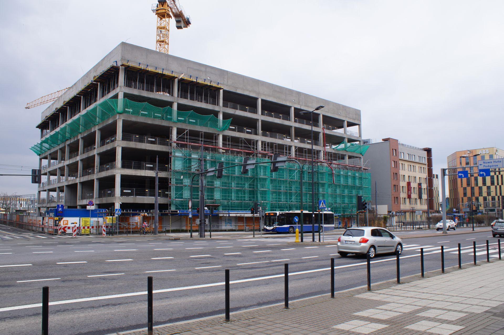 W centrum Krakowa powstaje kolejny biurowiec w kompleksie High5Five