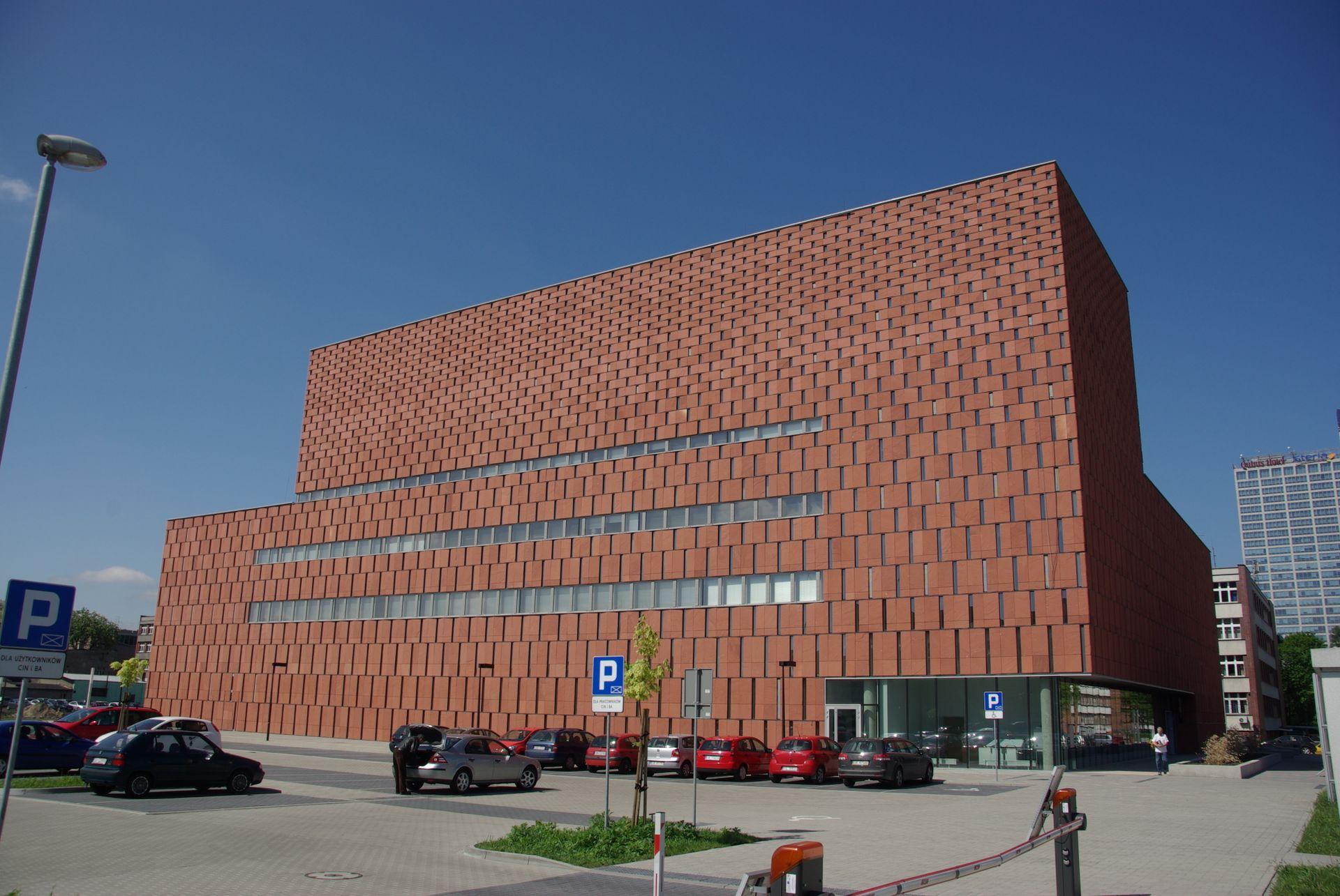[Katowice] Centrum Informacji Naukowej i Biblioteka Akademicka z tytułem najlepszego budynku XXI wieku w Polsce