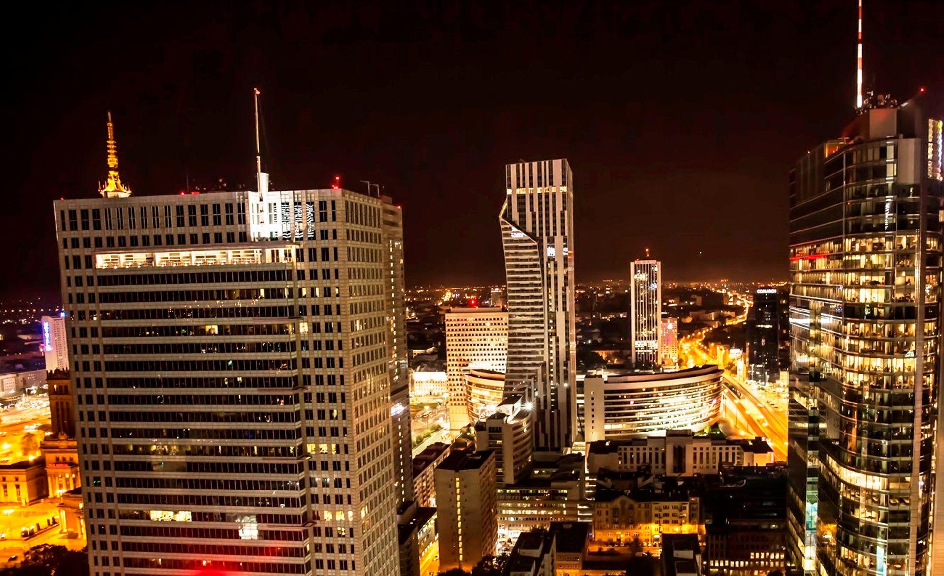 [Warszawa] W Warszawie przybywa biur z najwyższej półki