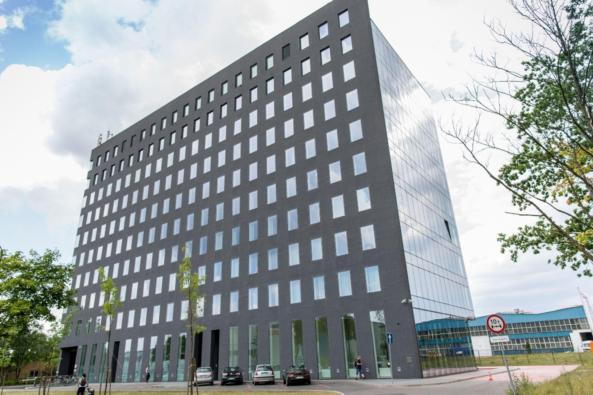 [Polska] Savills doradzał ARKA BZ WBK Fundusz Rynku Nieruchomości 2 FIZ przy sprzedaży pięciu nieruchomości