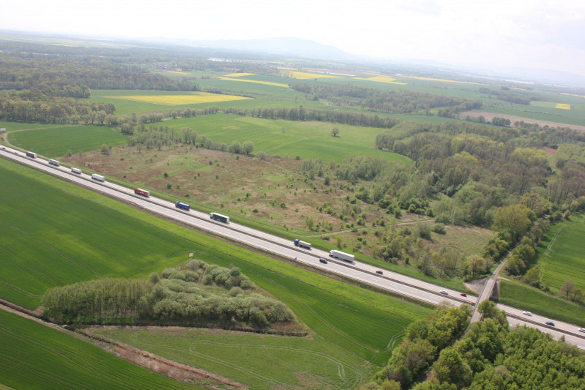 Pięć firm zainteresowanych jest opracowaniem dokumentacji dla budowy i rozbudowy autostrady A4 od Krzyżowej do Legnicy