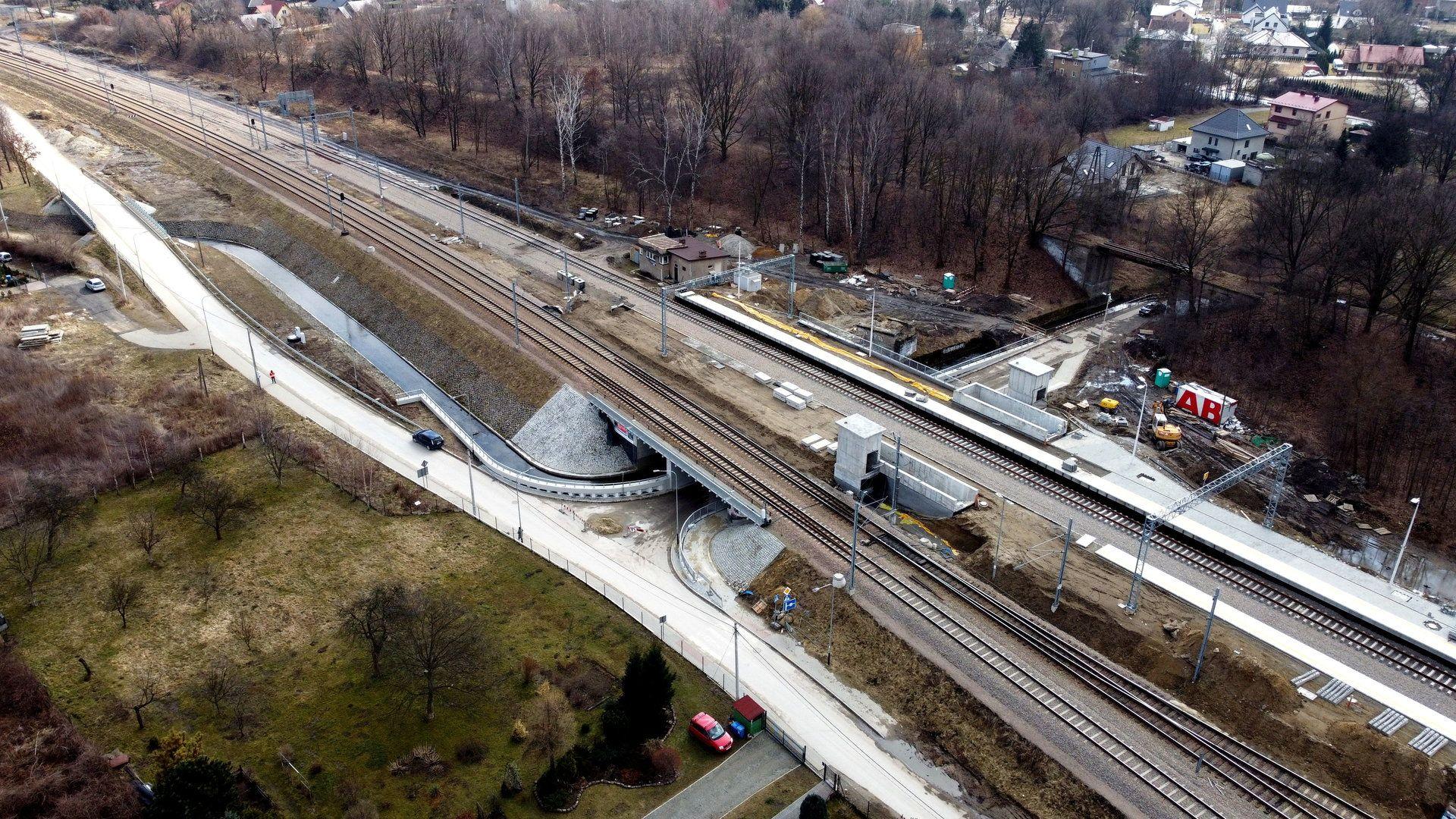 W Krakowie powstaje nowy przystanek kolejowy Złocień i nowy most nad rzeką Serafą