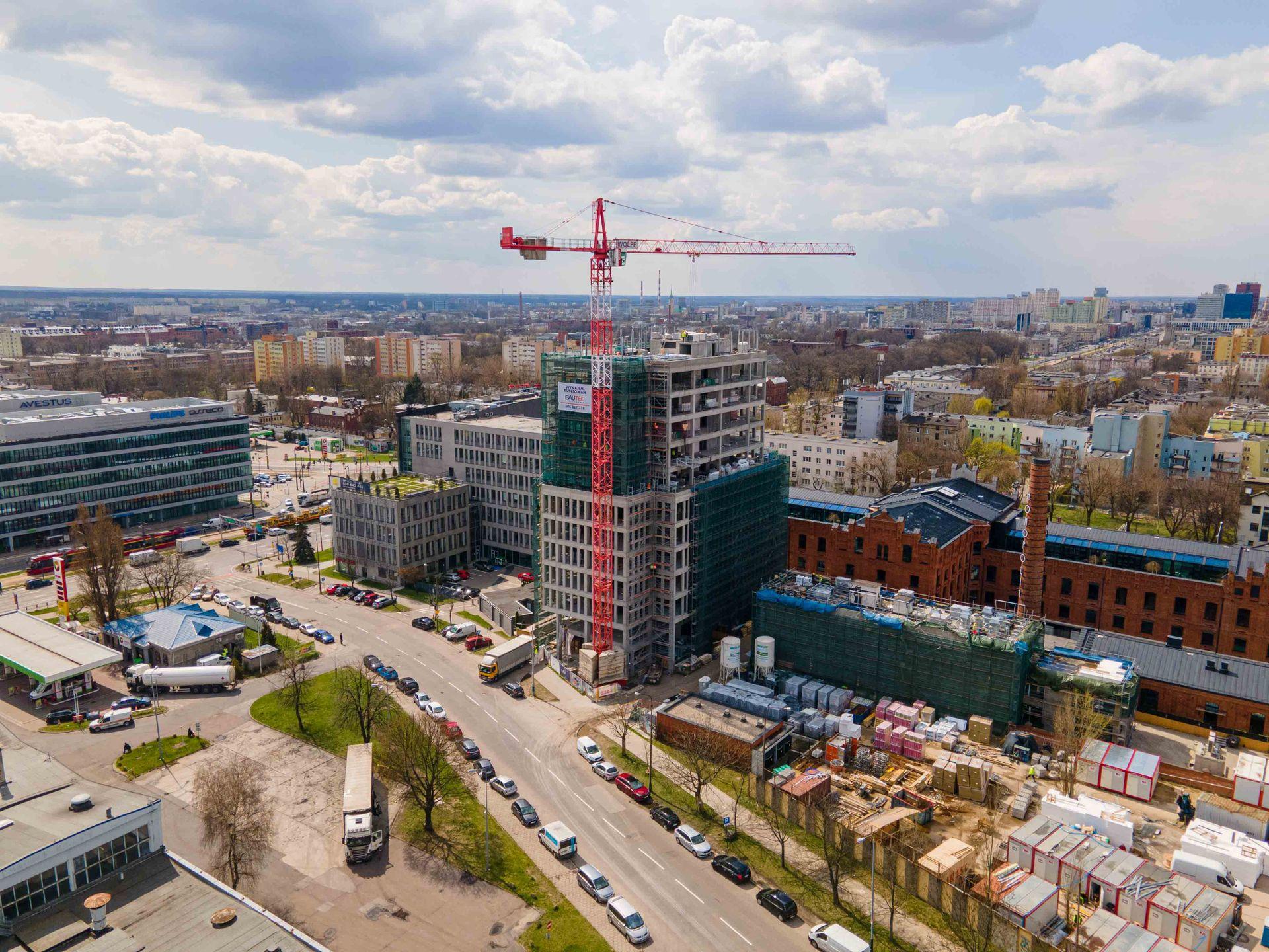 W Łodzi trwa budowa kompleksu biurowego Monopolis [FILM + ZDJĘCIA + WIZUALIZACJE]