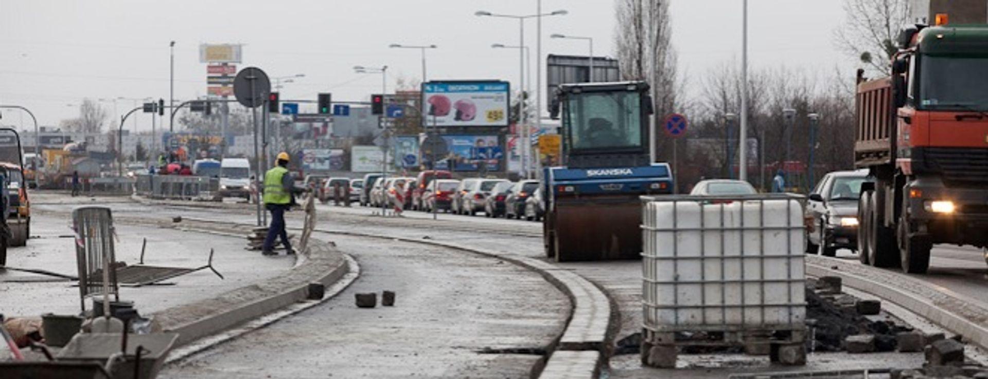 [Wrocław] Strzegomska: mimo obietnic, pół roku po remoncie, autobusów nie przyspieszają