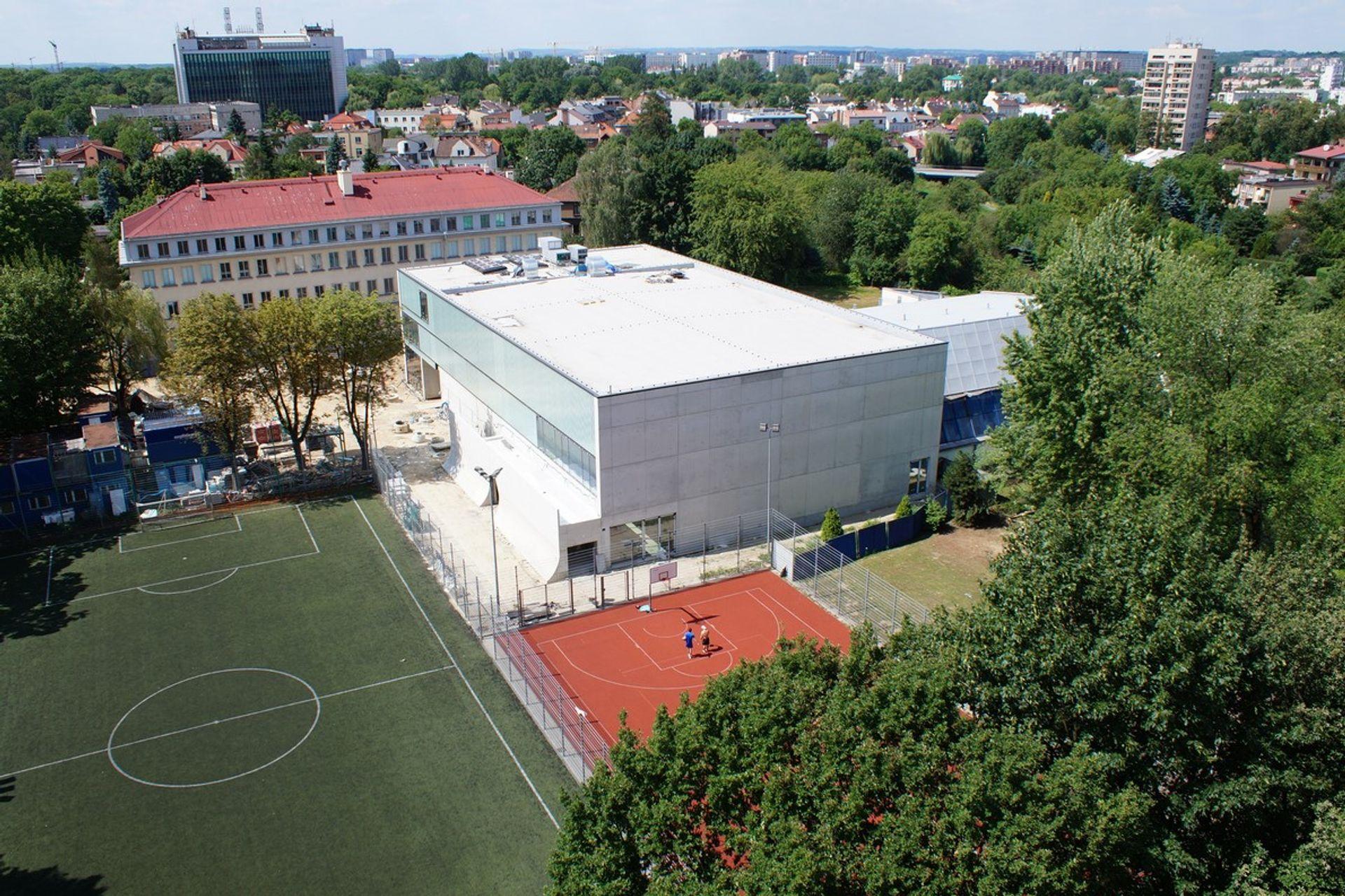 [Kraków] Nowe hale sportowe powstają przy szkołach
