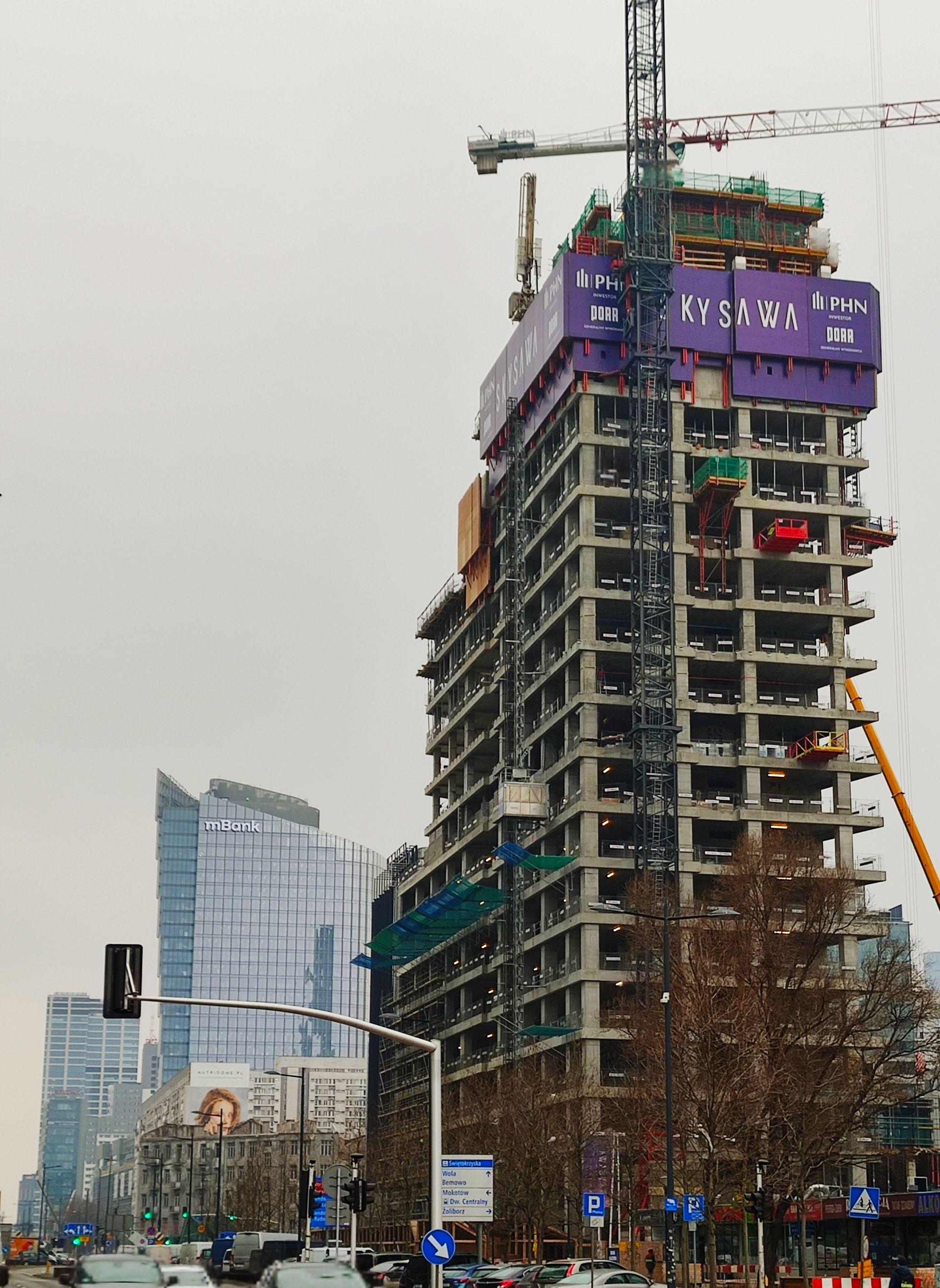 W centrum Warszawy budowany jest 155 metrowy wieżowiec Skysawa [FILM + ZDJĘCIA]