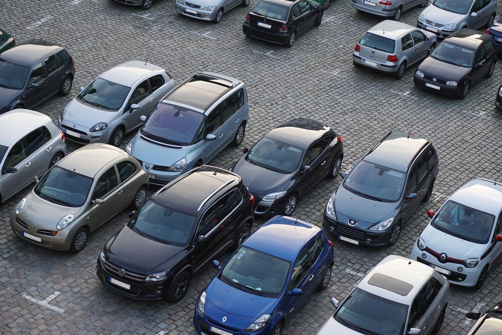 [Wrocław] Siedem nowych parkingów we Wrocławiu. Przy stacjach kolejowych i przystankach MPK
