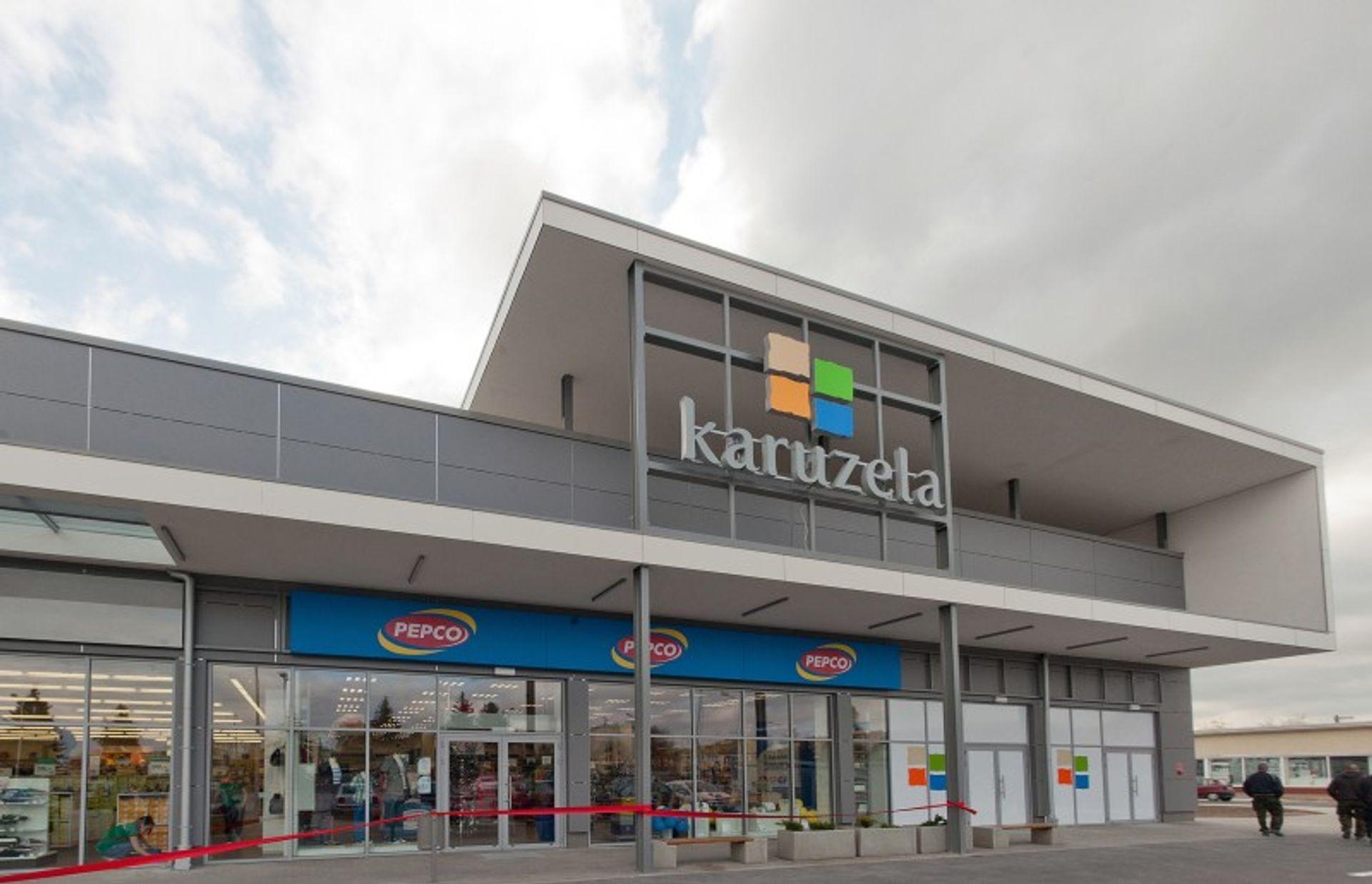 """[wielkopolskie] Centrum Handlowe """"Karuzela"""" w Turku """"kręci się"""" już tydzień"""