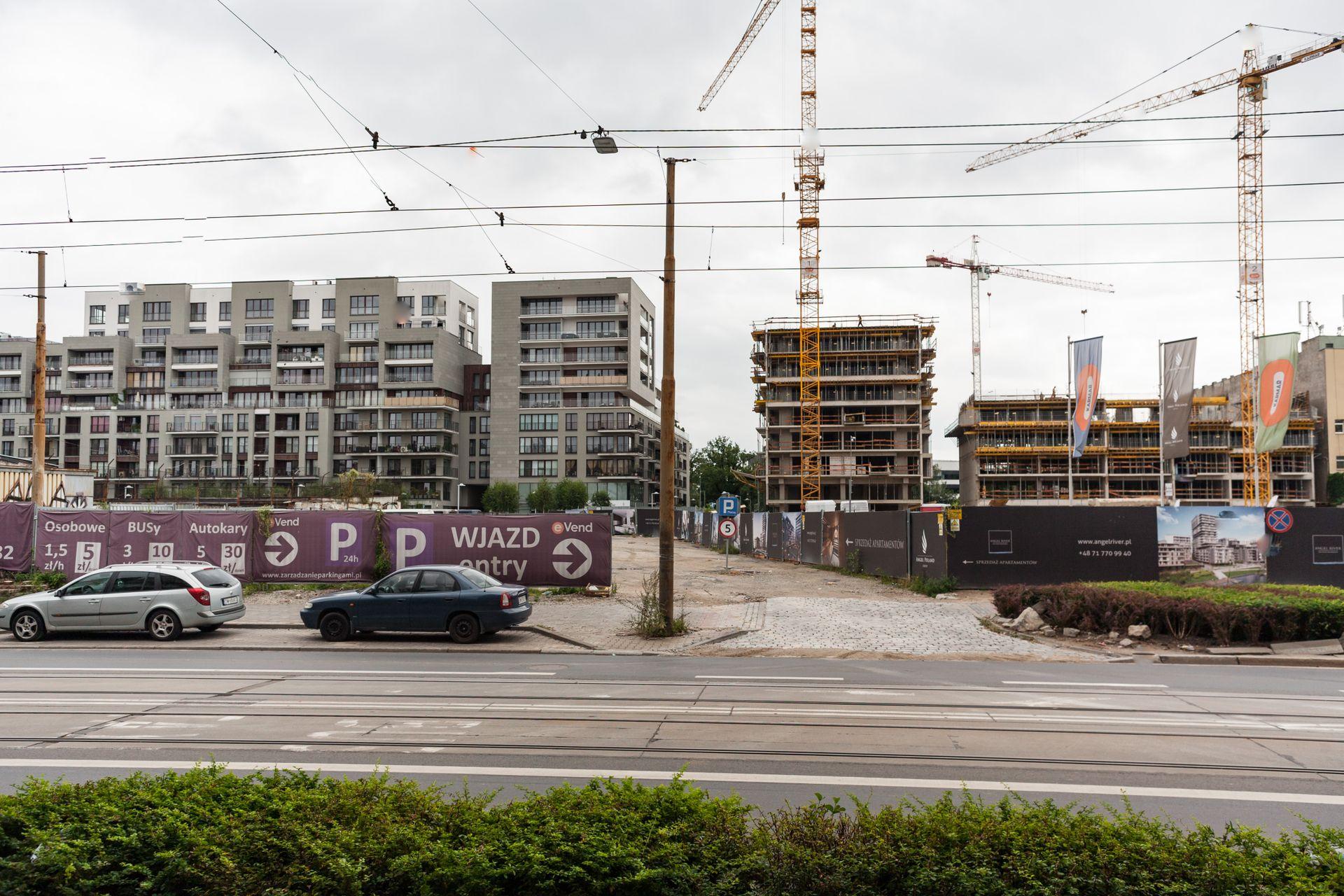[Wrocław] Naprzeciwko Angel River stanie kolejny budynek. Zaprojektuje go pracownia z Londynu
