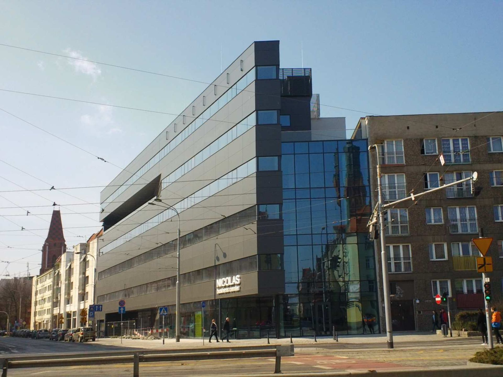 Niemiecka firma MAHLE zwiększa zatrudnienie w swoim centrum we Wrocławiu