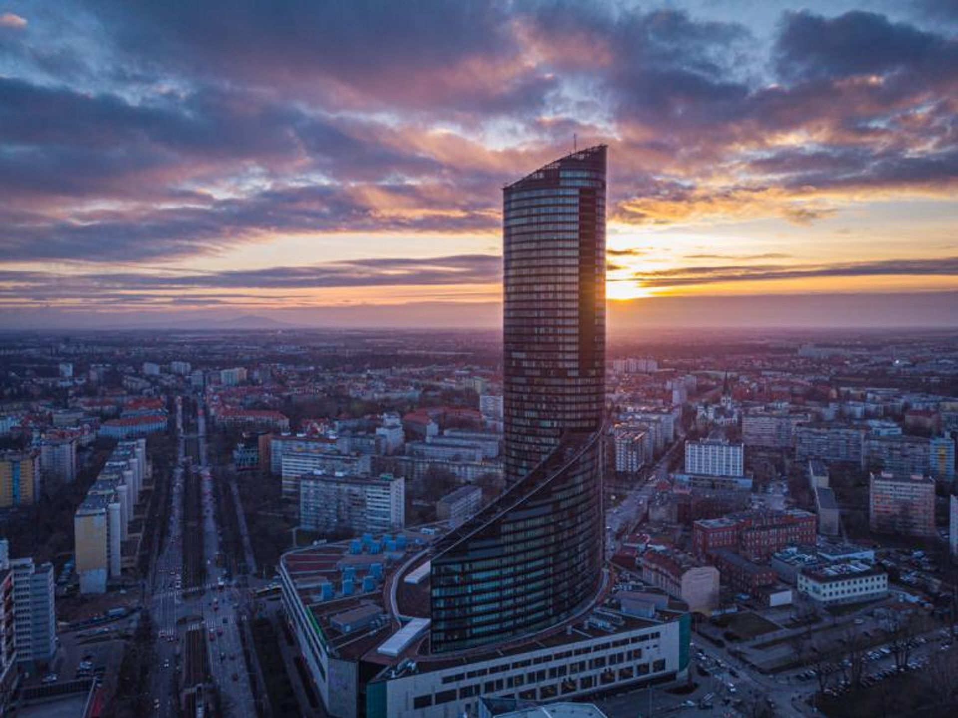 Do 31 grudnia ma zostać sfinalizowana transakcja sprzedaży Sky Tower we Wrocławiu